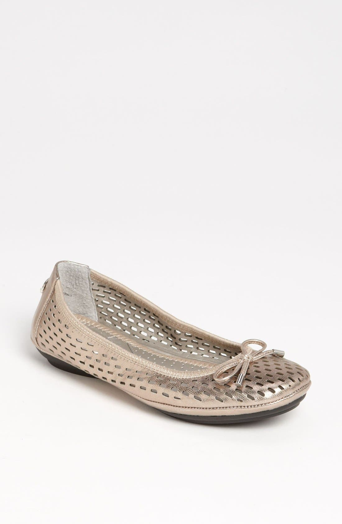 Alternate Image 1 Selected - Me Too 'Fayla' Flat (Special Purchase)