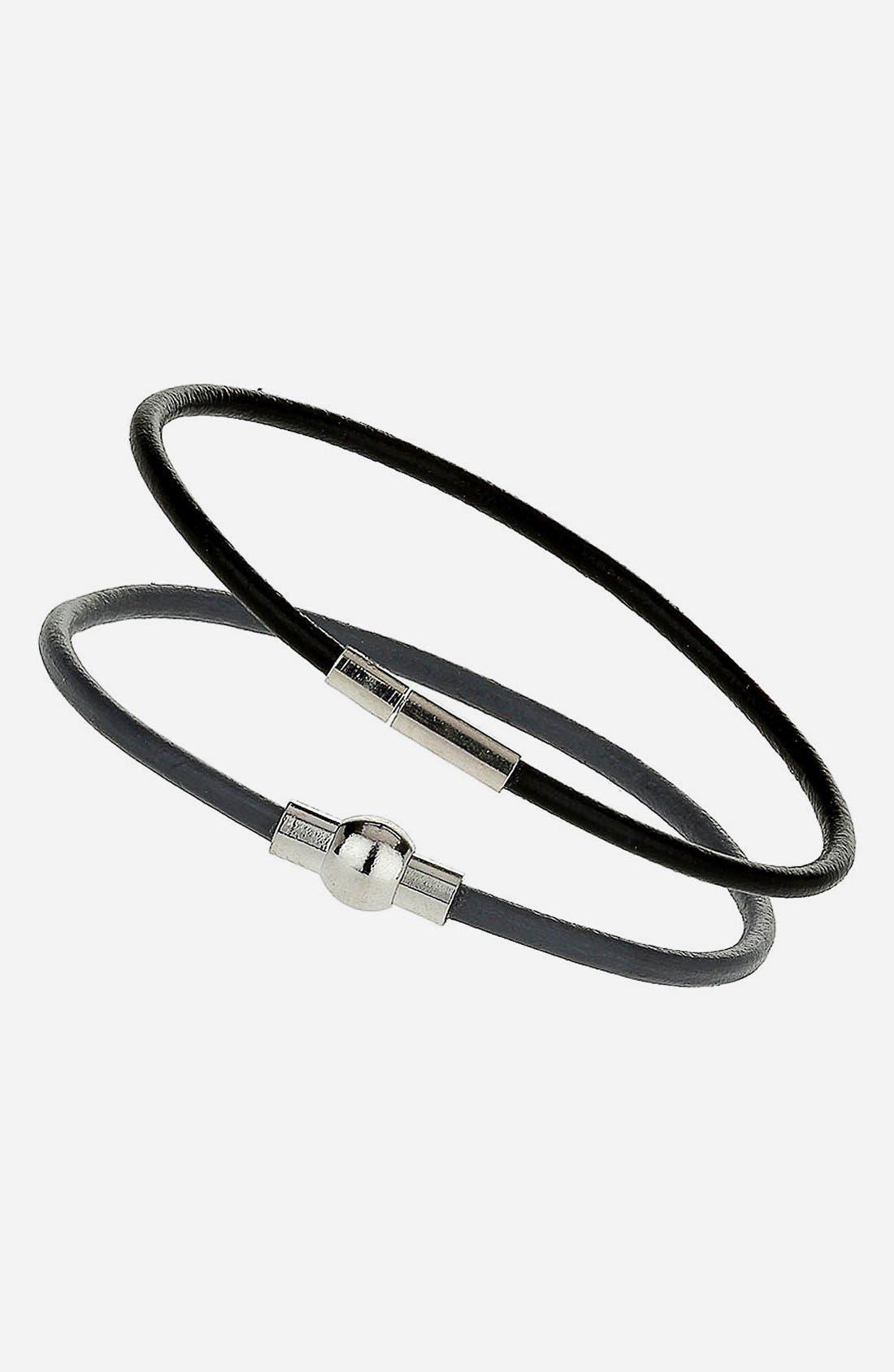 Main Image - Topman Leather Strap Bracelet