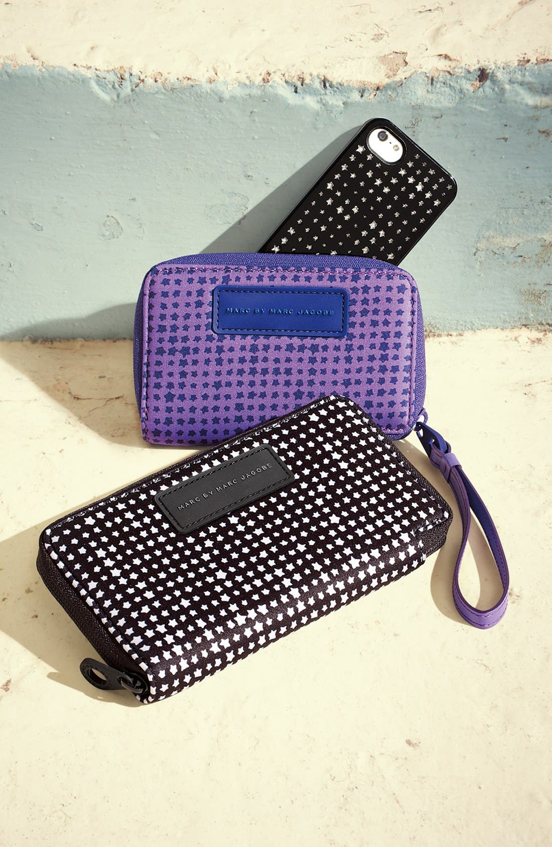 Alternate Image 2  - MARC BY MARC JACOBS 'Shooting Houndstooth' iPhone 5 & 5S Case