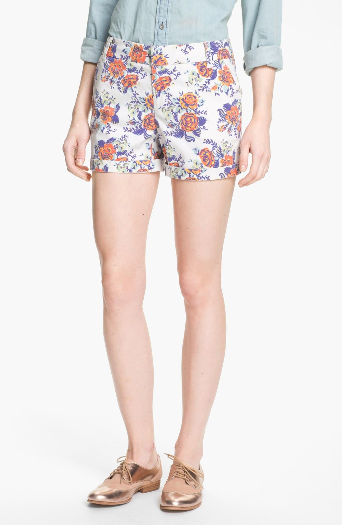 Alternate Image 1 Selected - Caslon® Clean Front Five-Inch Shorts (Petite)