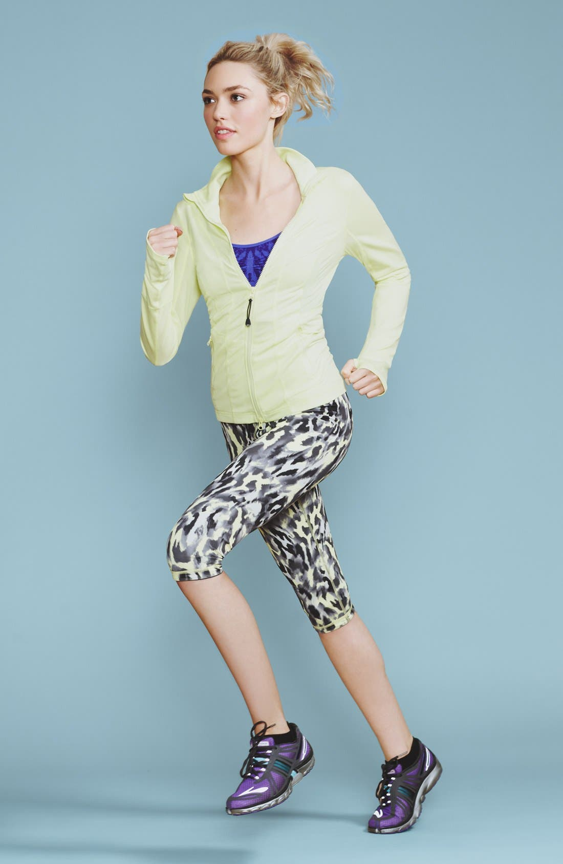 Alternate Image 8  - Zella 'Live In' Reversible Capri Leggings