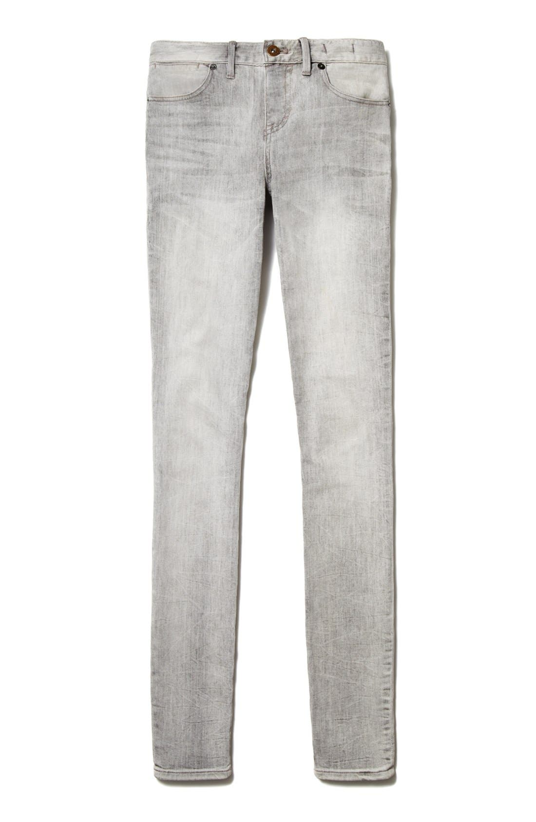 Alternate Image 4  - Two by Vince Camuto Cuff Crop Jeans
