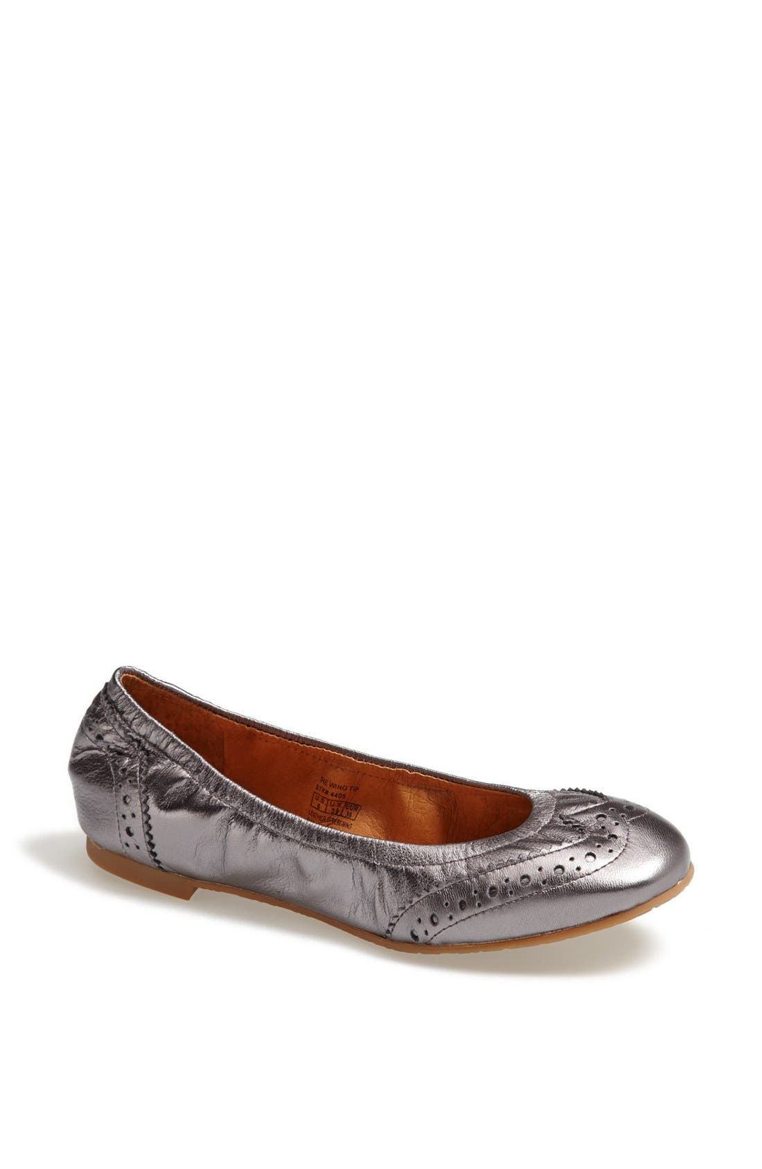 Main Image - Juil 'The Wing Tip' Copper Grounded Metallic Leather Flat