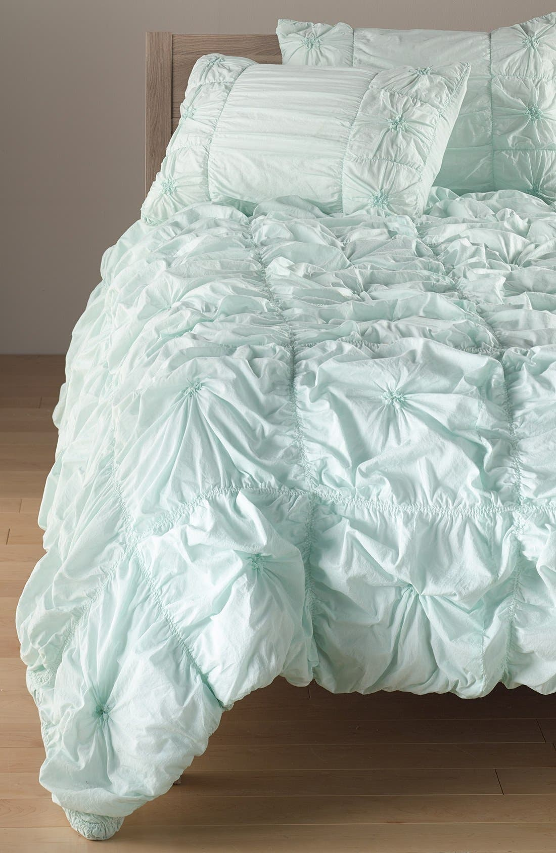 Alternate Image 1 Selected - Rizzy Home Ruched Knots Comforter (Nordstrom Exclusive)