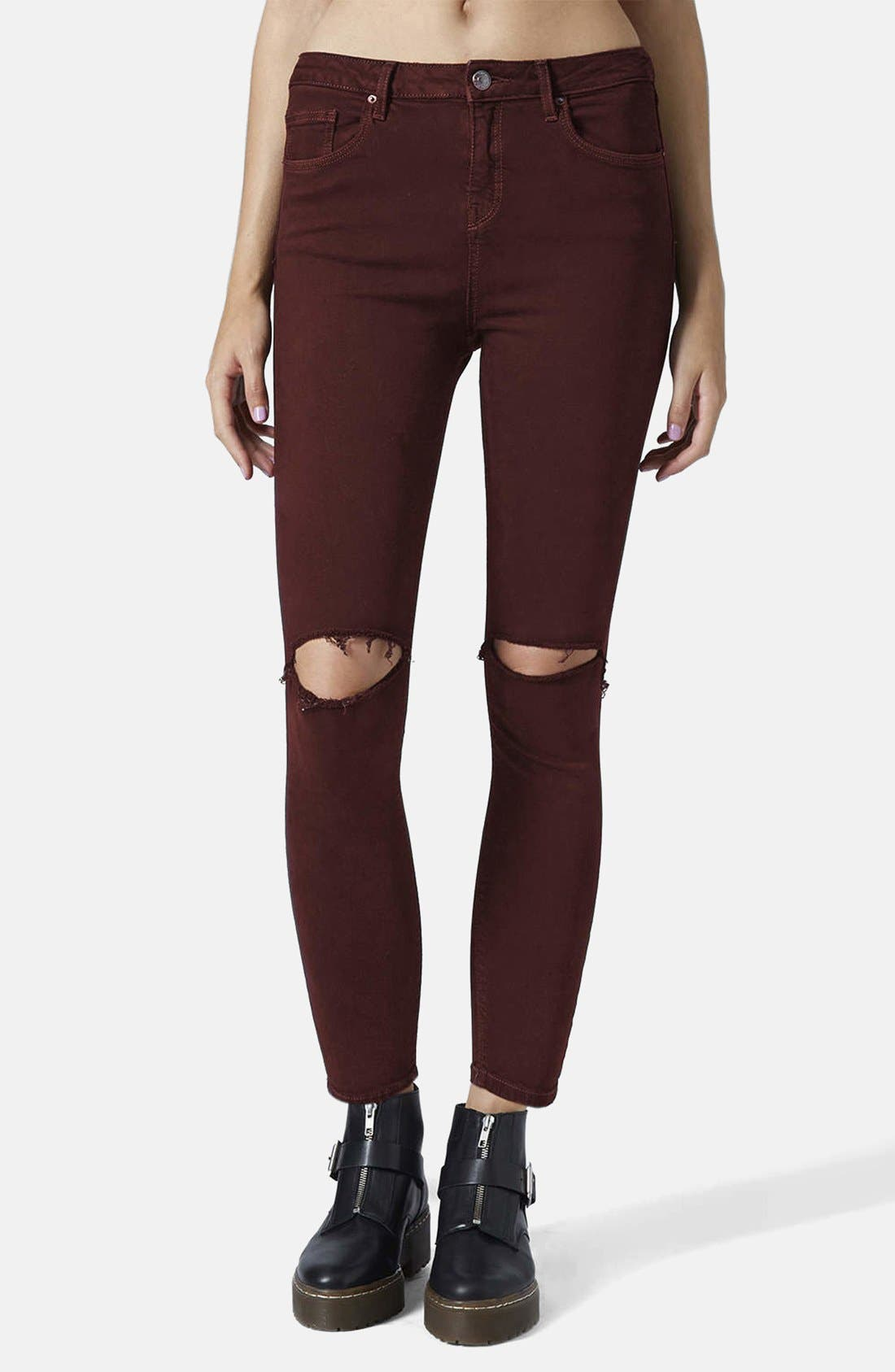 Main Image - Topshop Moto 'Jamie' Ripped Jeans (Aubergine)