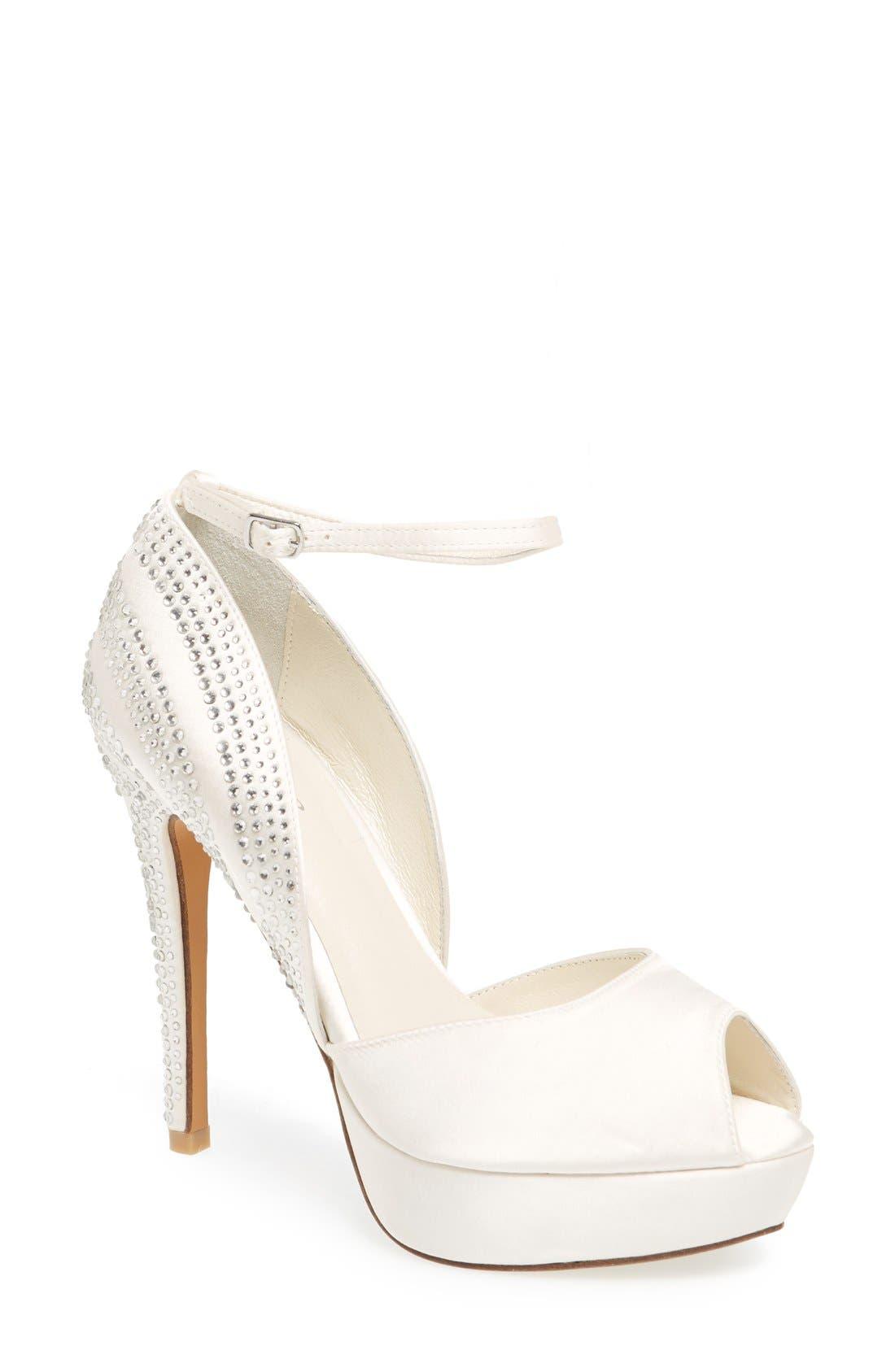 Alternate Image 1 Selected - Menbur 'Paloma' d'Orsay Platform Sandal (Women)