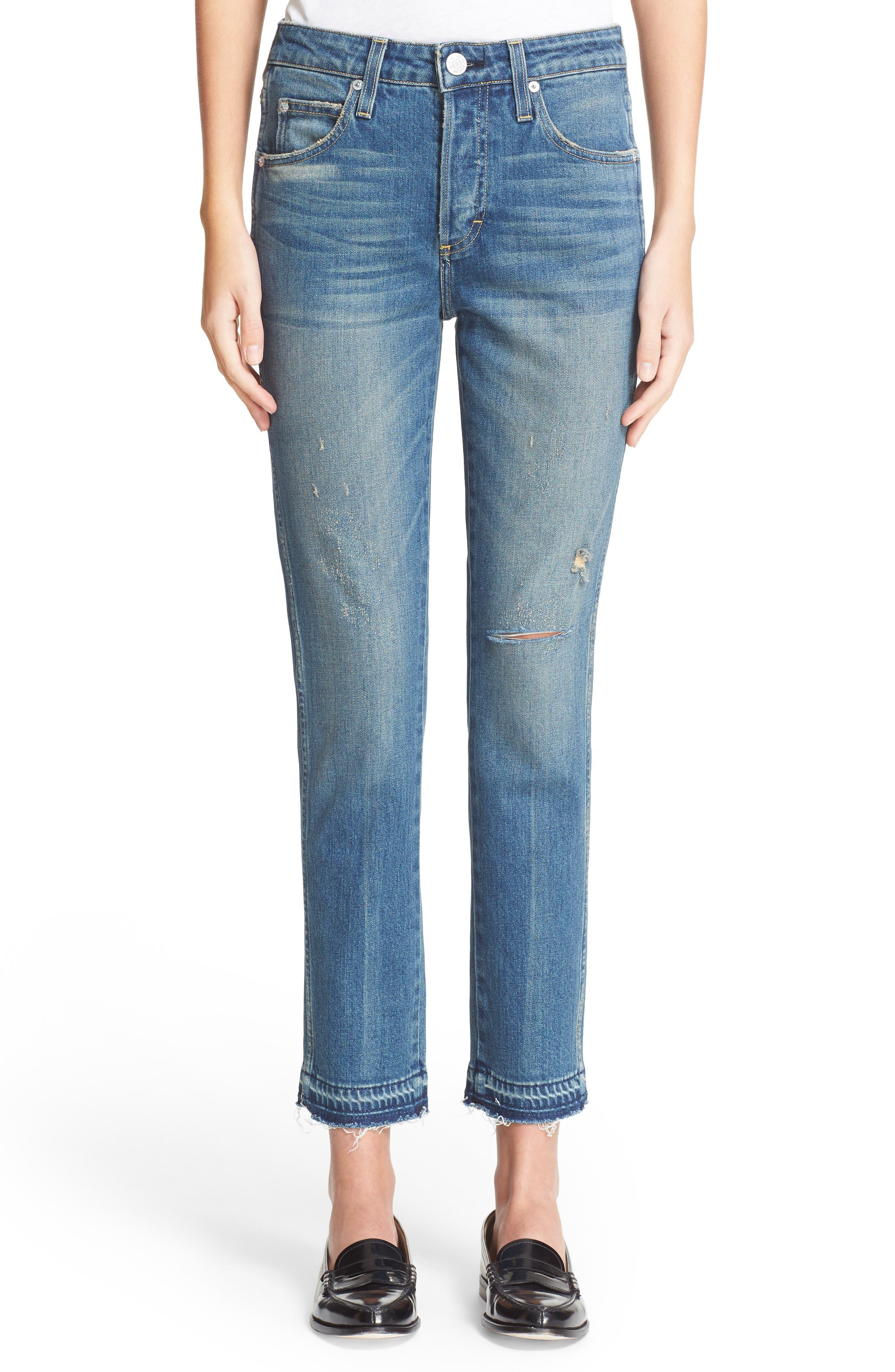 AMO 'Babe' Released Hem Crop Jeans