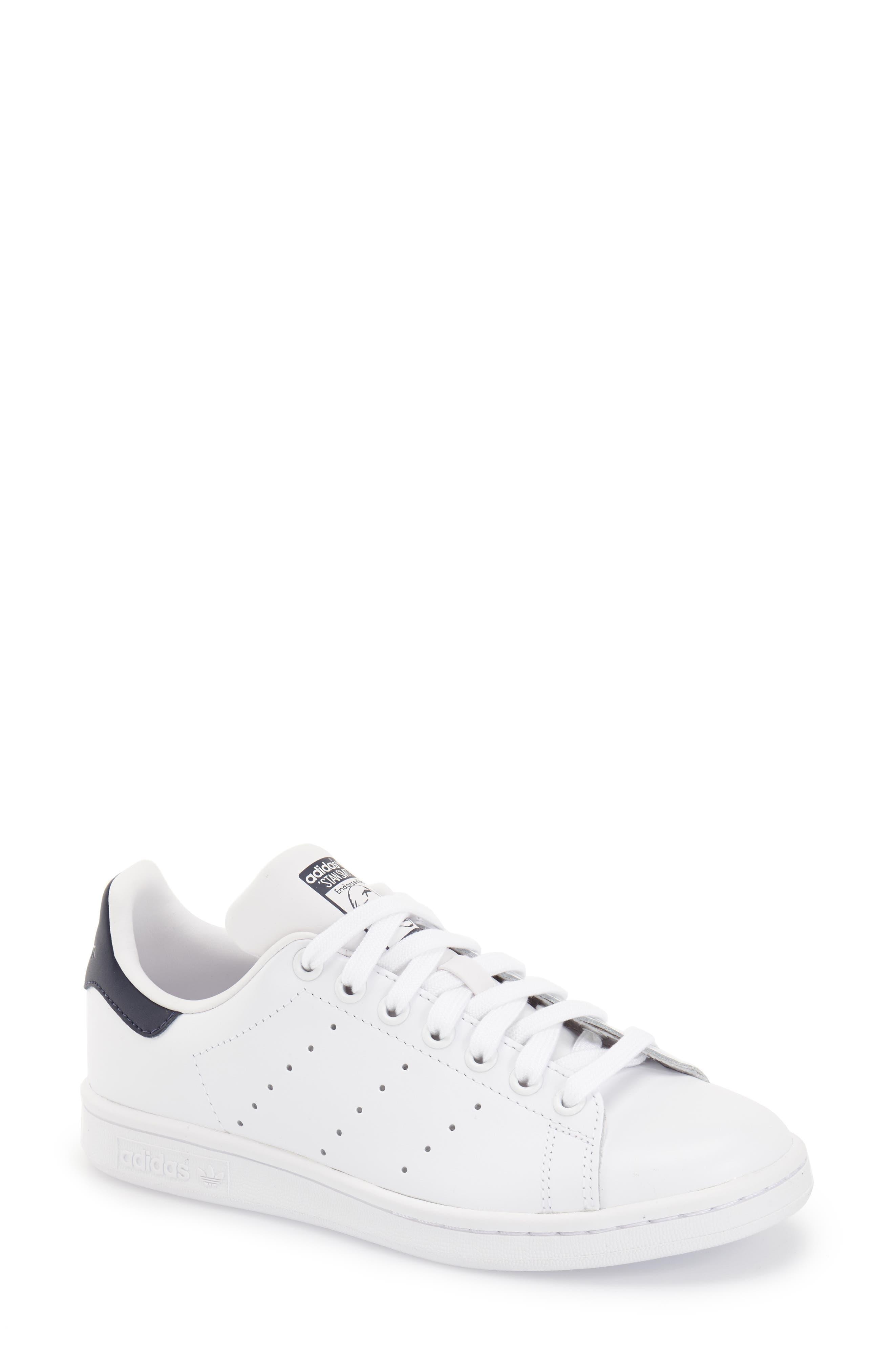 black and white adidas stan smith