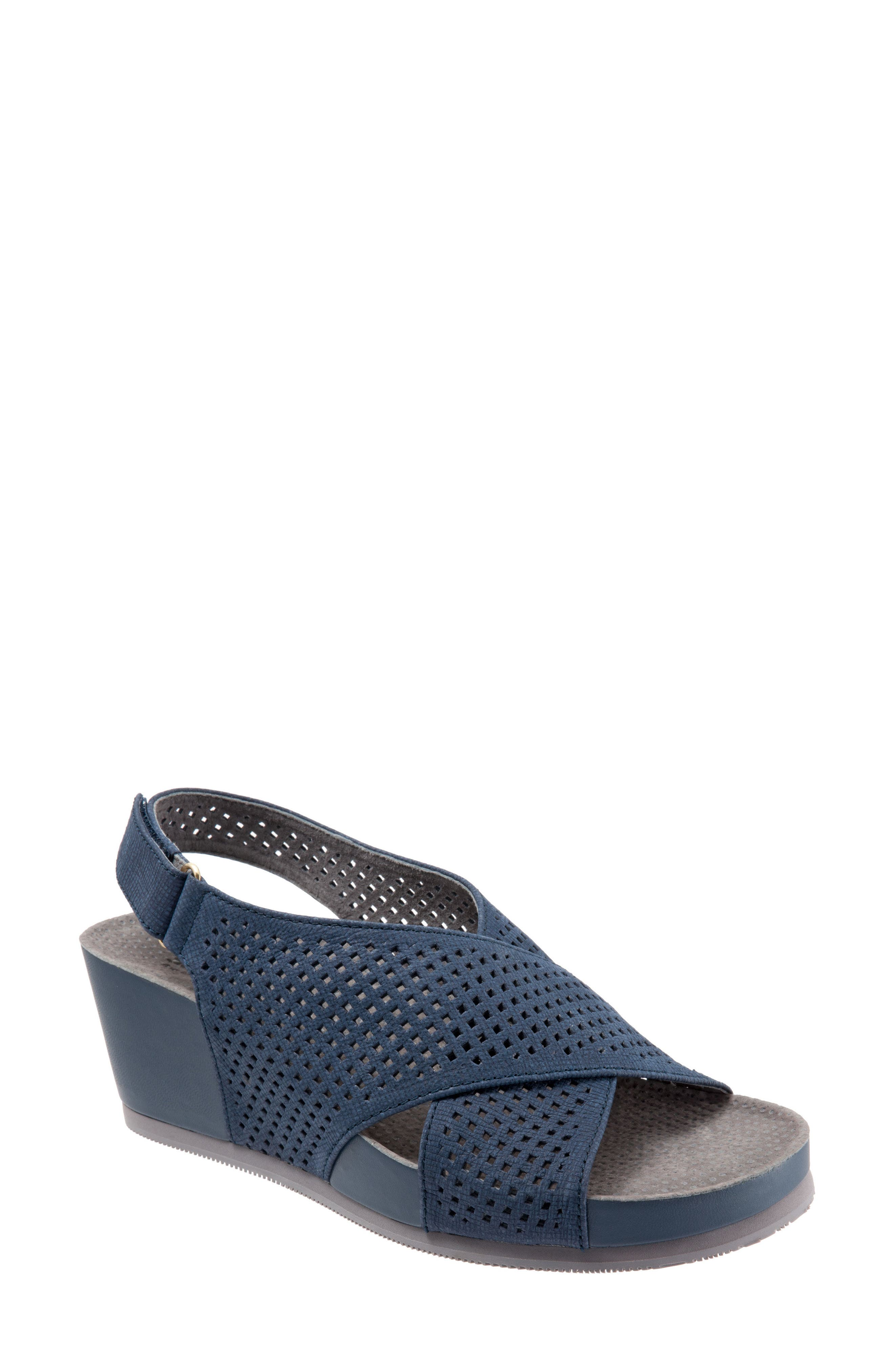 SoftWalk® Hansford Wedge Sandal (Women)
