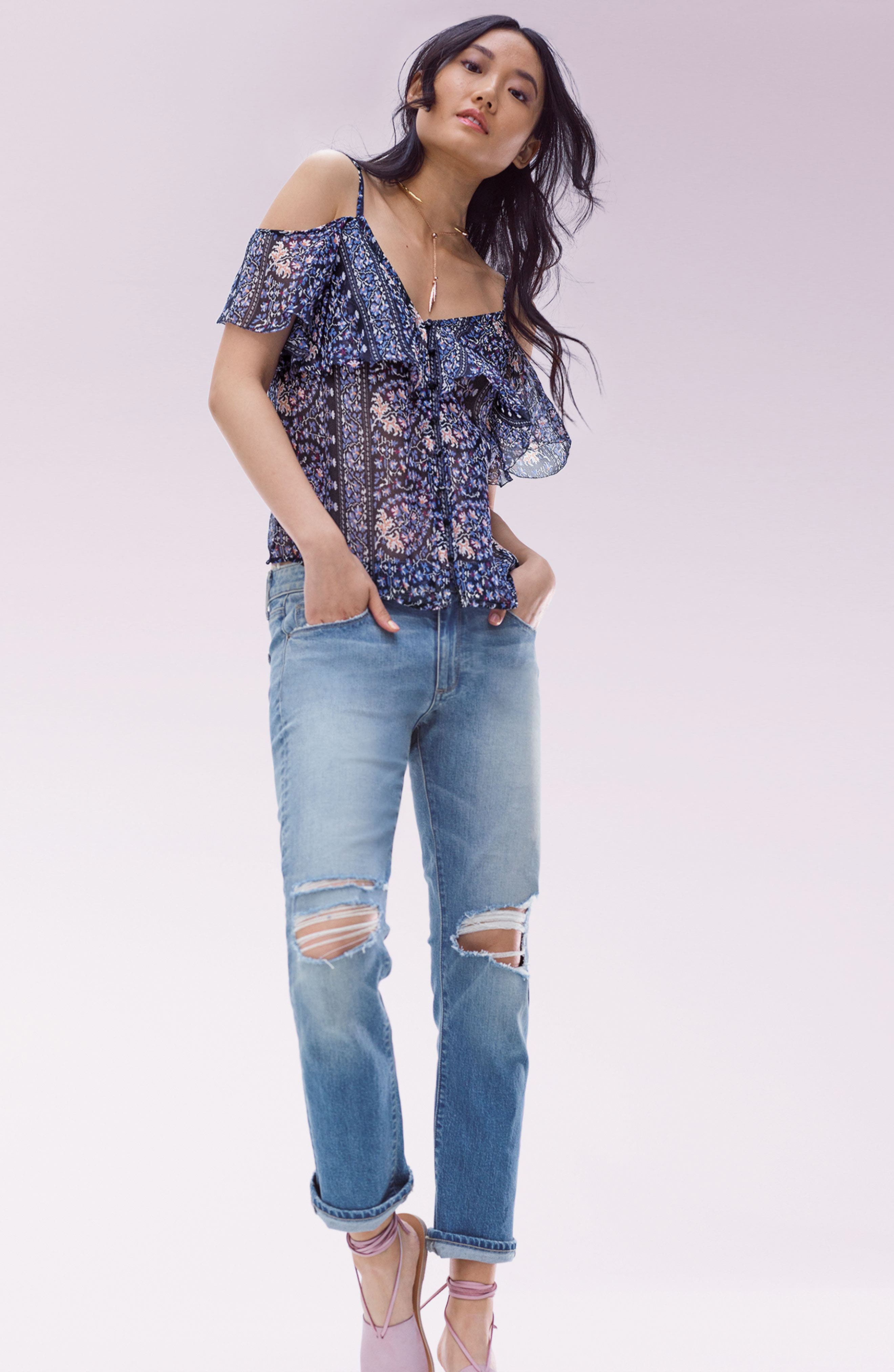 PAIGE Top & Pants Outfit with Accessories