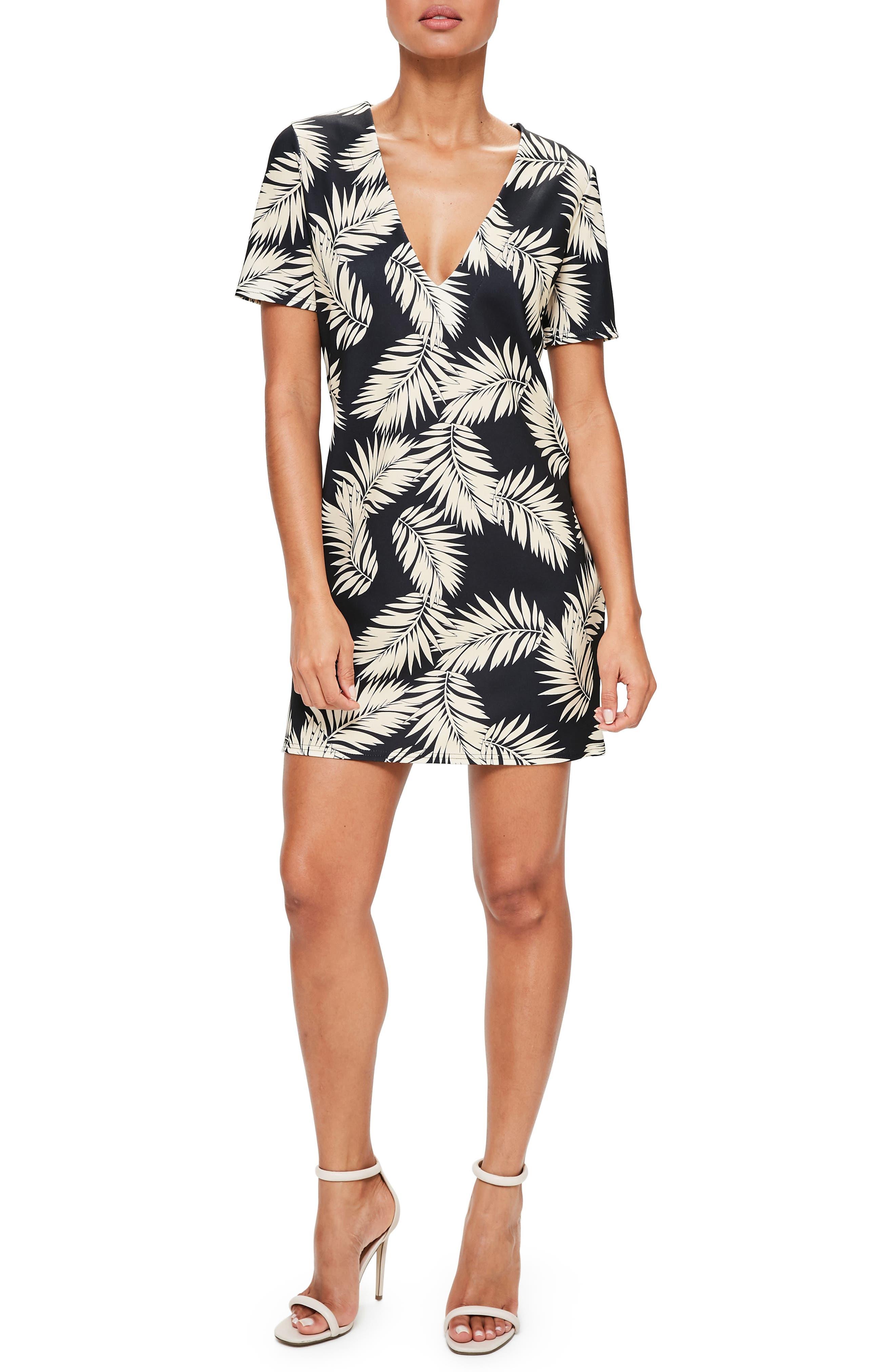 Main Image - Missguided Print Plunge T-Shirt Dress