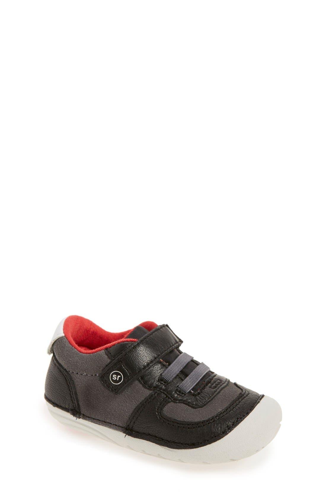 STRIDE RITE 'Barnes' Sneaker