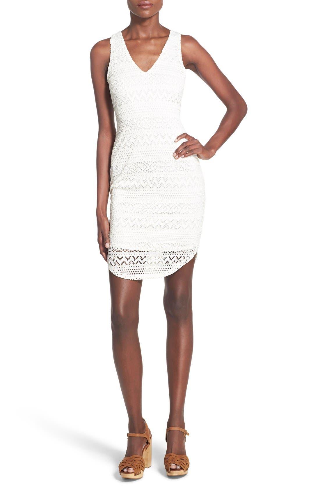 Main Image - Lush Lace Open Back Sheath Dress