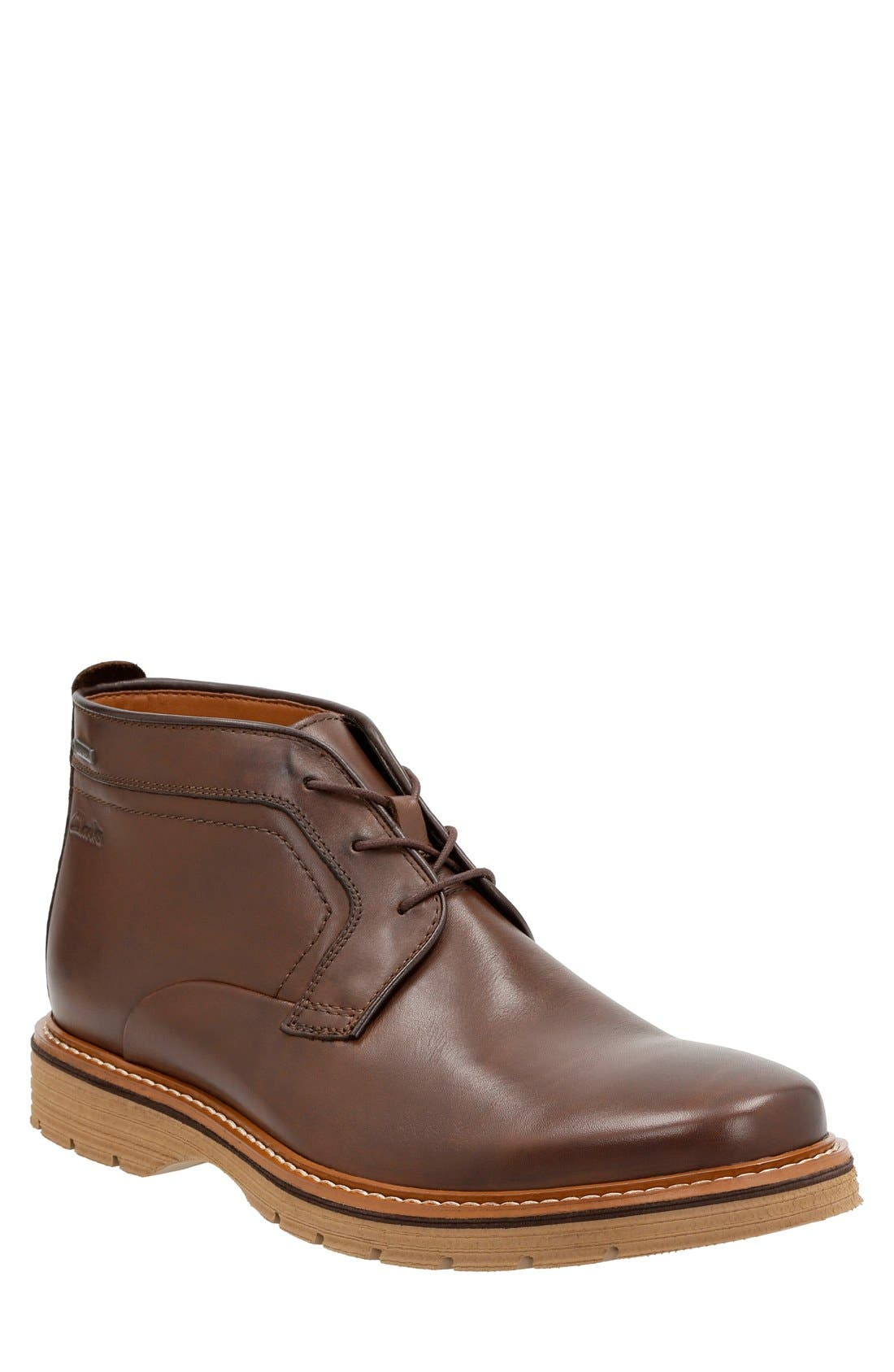 Clarks® 'Newkirk' Chukka Boot (Men)