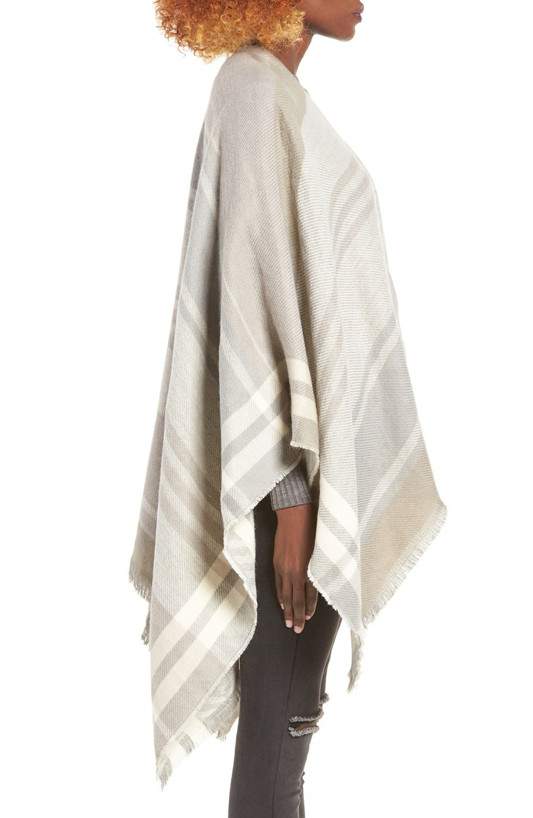 Alternate Image 3  - La Double 7 Plaid Poncho
