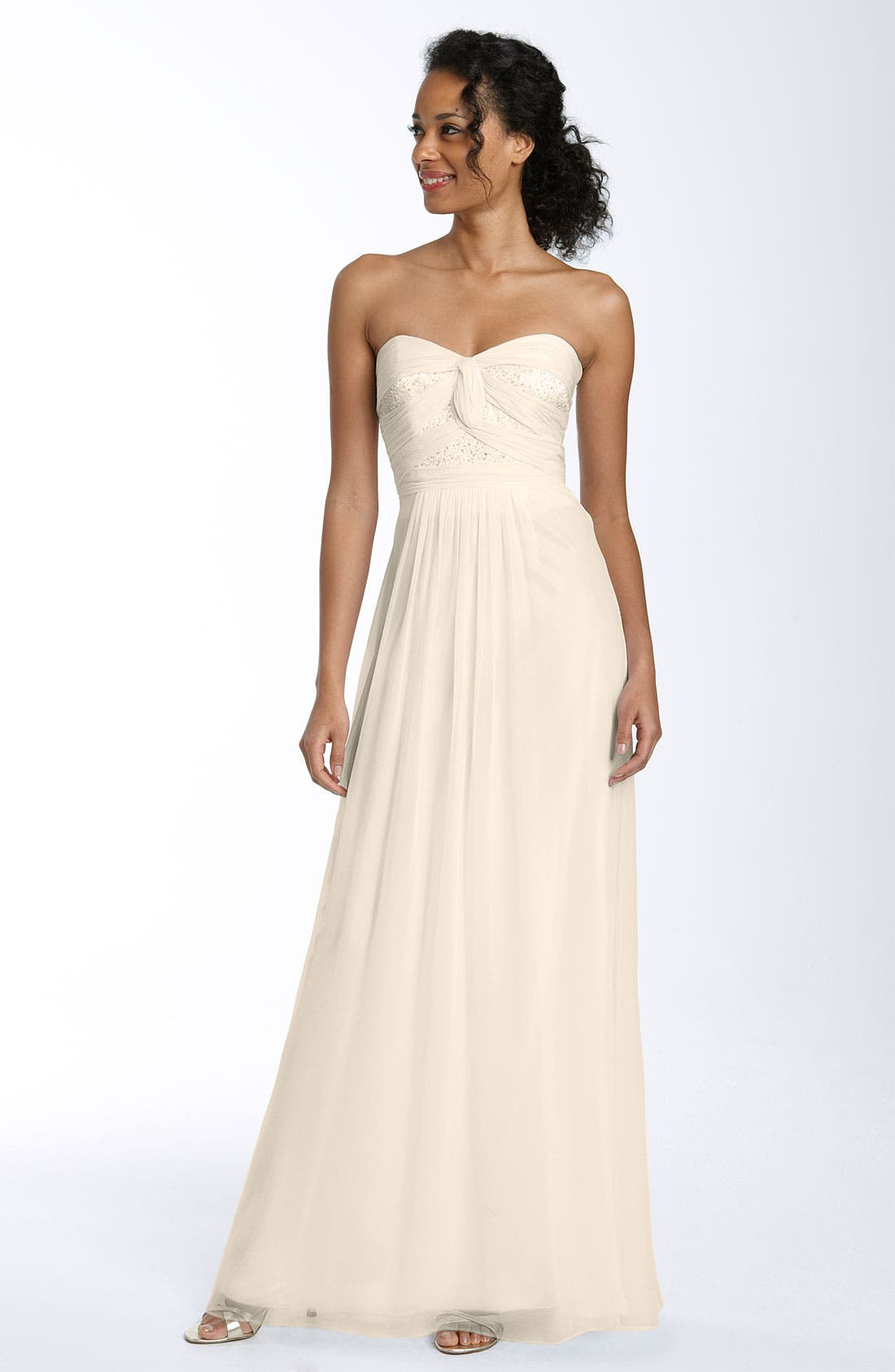 Main Image - Laundry by Shelli Segal Beaded & Twisted Sweetheart Chiffon Gown