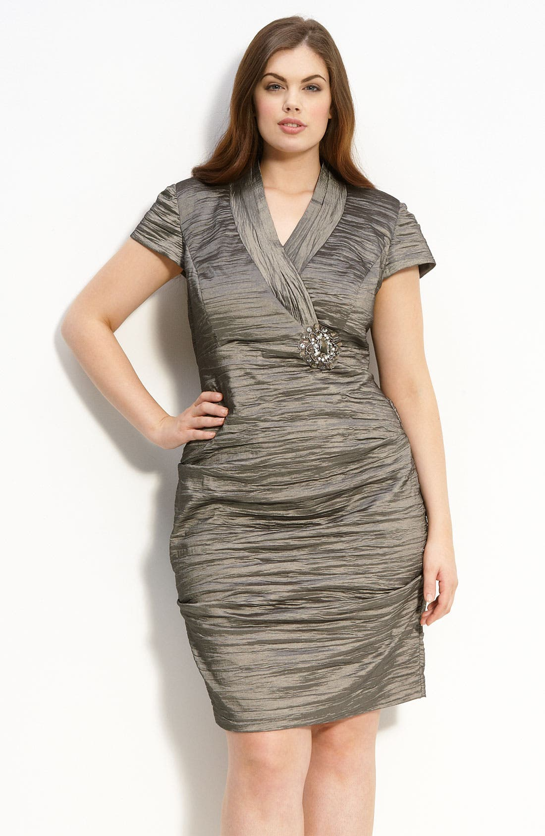 Alternate Image 1 Selected - Alex Evenings Ruched Cap Sleeve Dress (Plus)