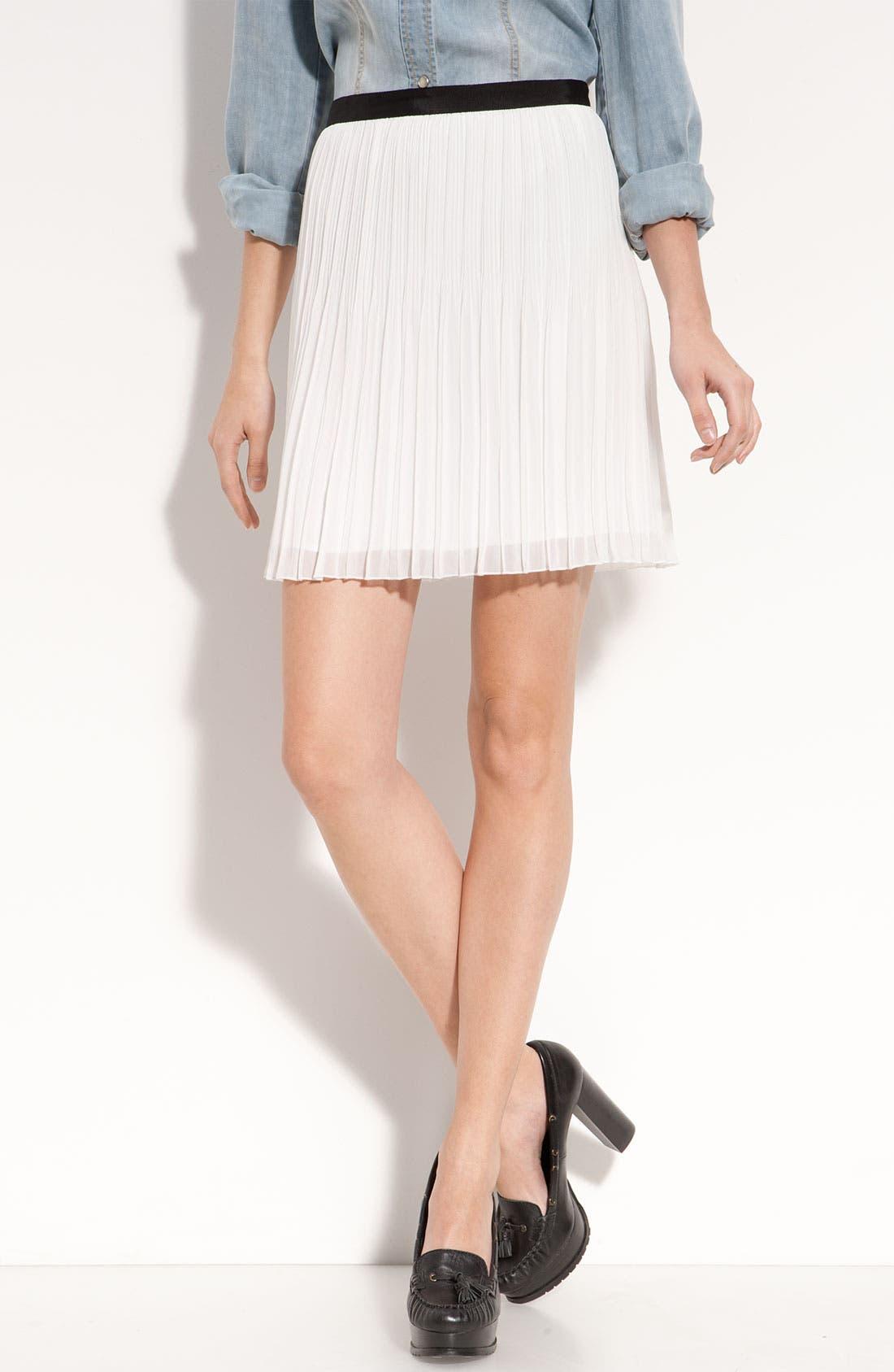 Main Image - Trouvé Pleated Chiffon Miniskirt