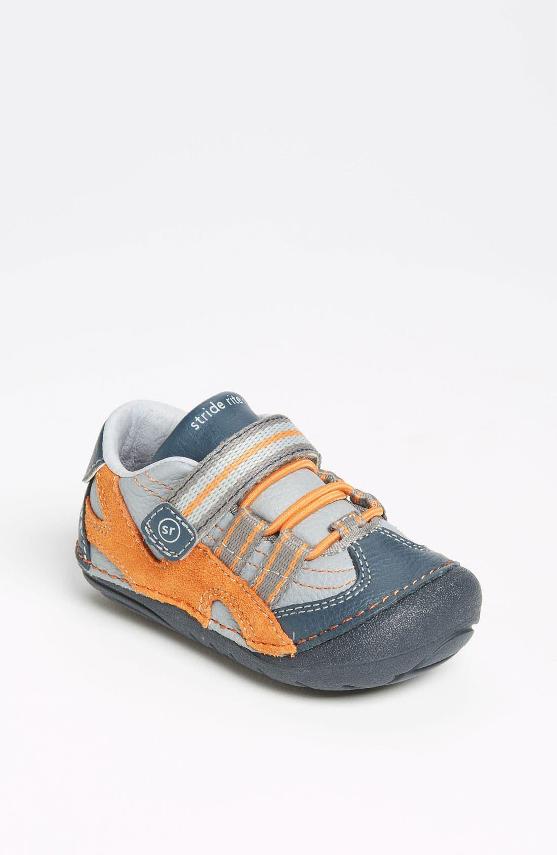 Alternate Image 1 Selected - Stride Rite 'Leo' Sneaker (Baby & Walker)
