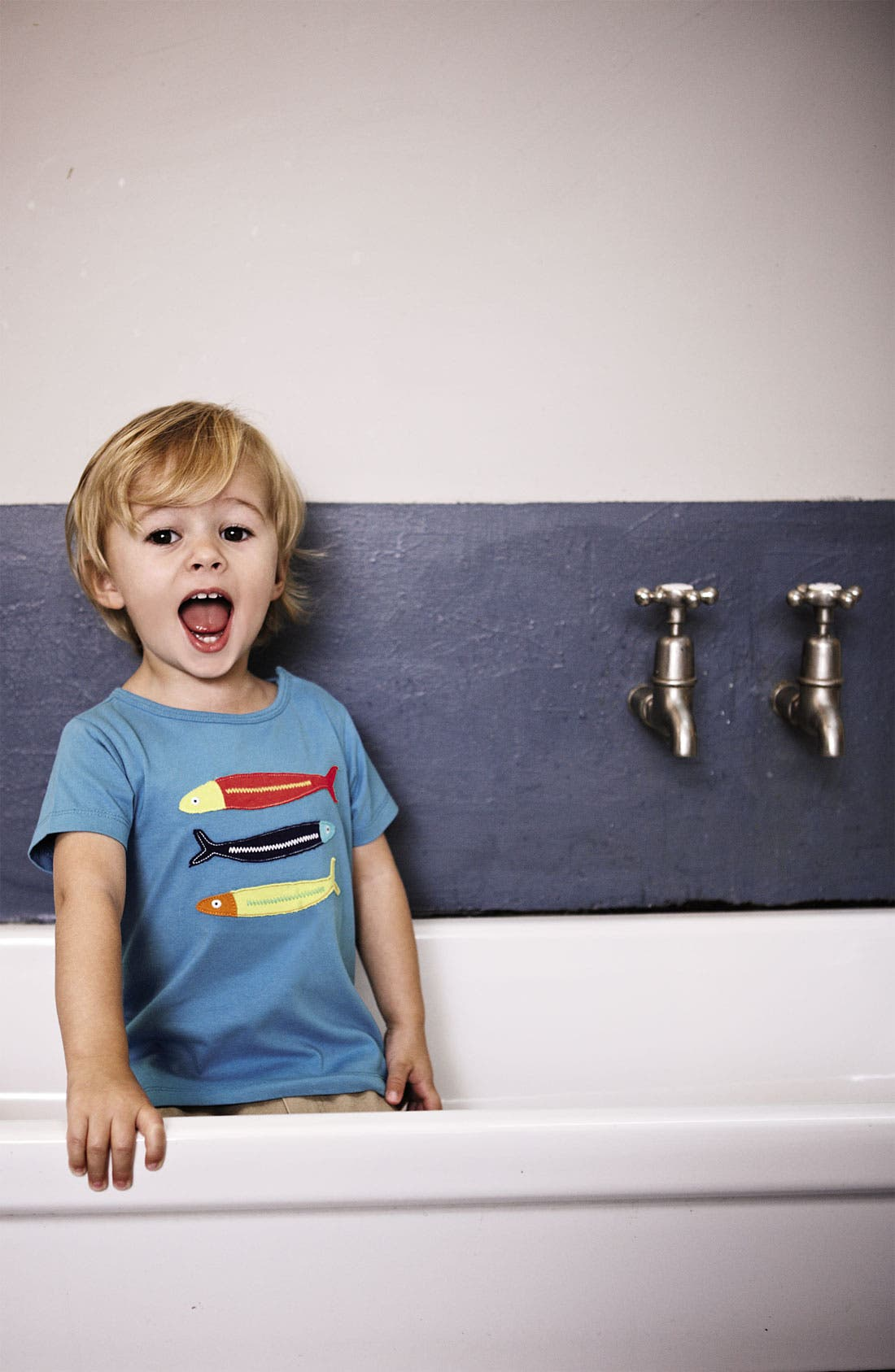 Alternate Image 2  - Mini Boden 'Big Appliqué' T-Shirt (Infant)