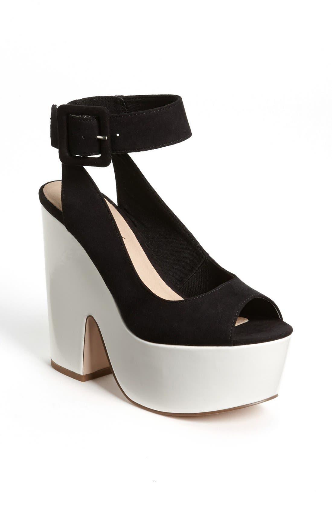 Main Image - Topshop 'Star' Ankle Strap Platform Sandal