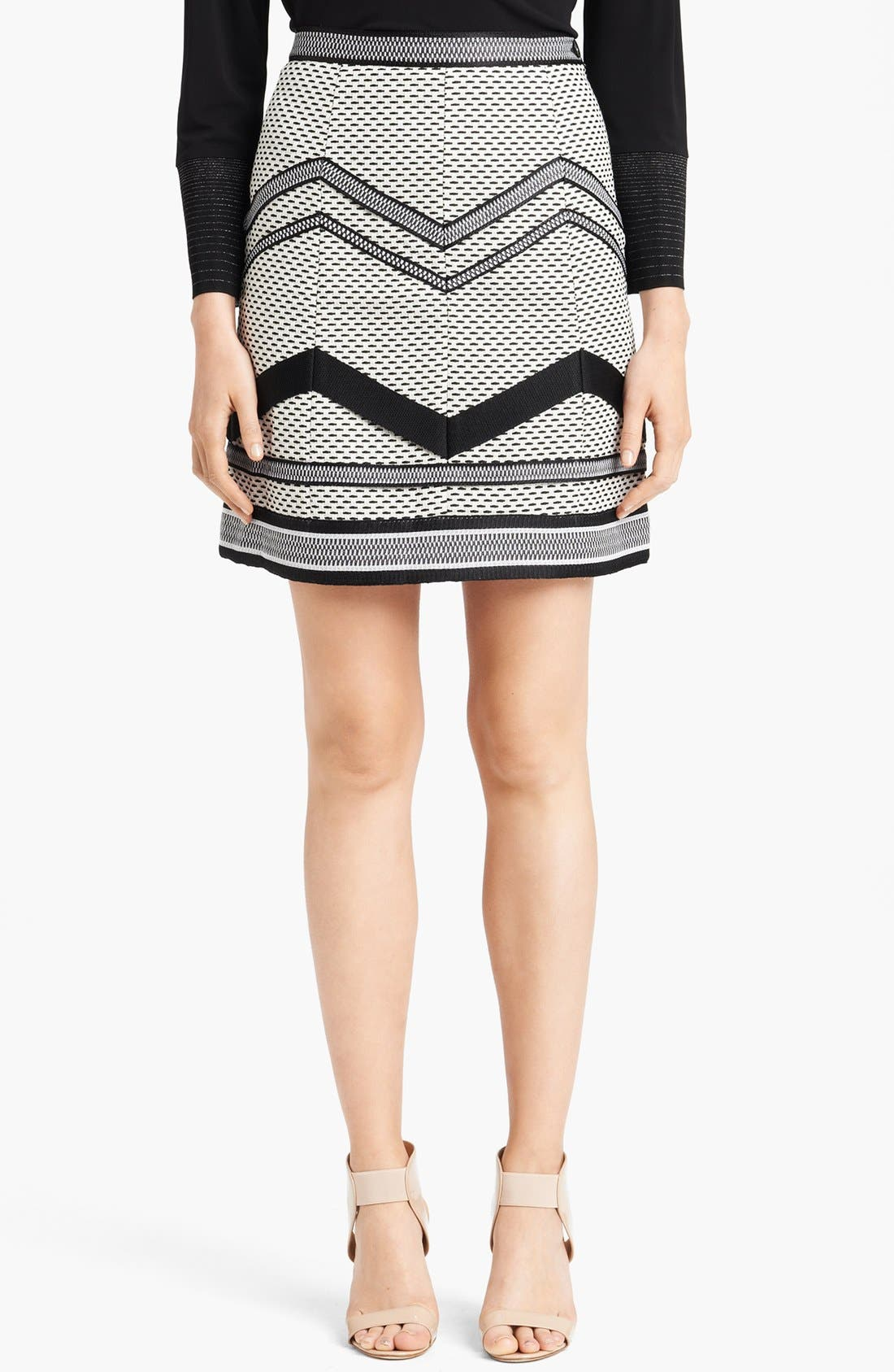Main Image - Missoni Short Basket Weave Skirt