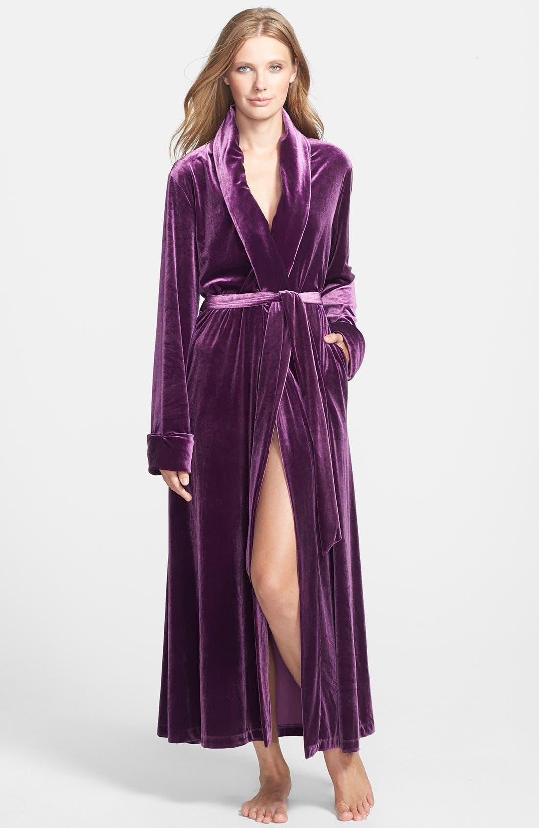 Alternate Image 1 Selected - Oscar de la Renta Sleepwear 'Zahara Nights' Velvet Robe