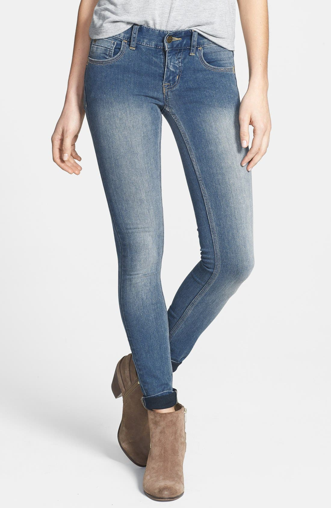 Main Image - Free People Lightweight Stretch Skinny Jeans (Ocean Blue)