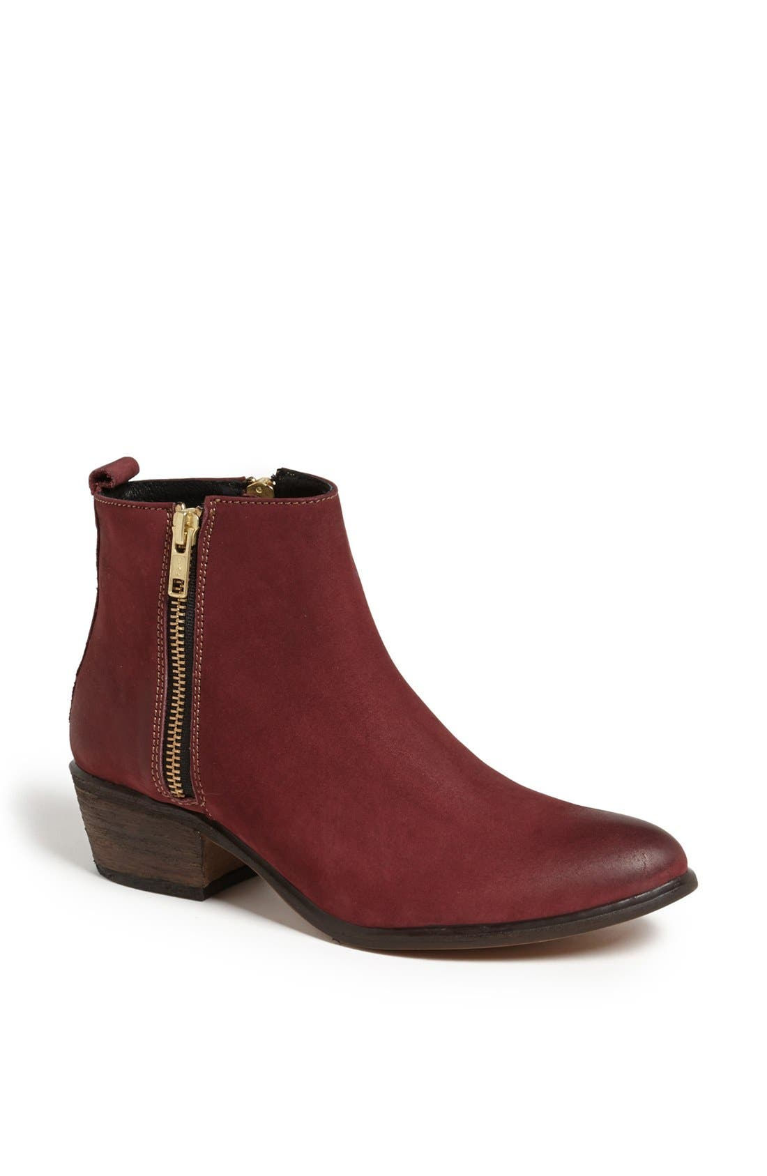 Alternate Image 1 Selected - Steve Madden 'Neovista' Boot