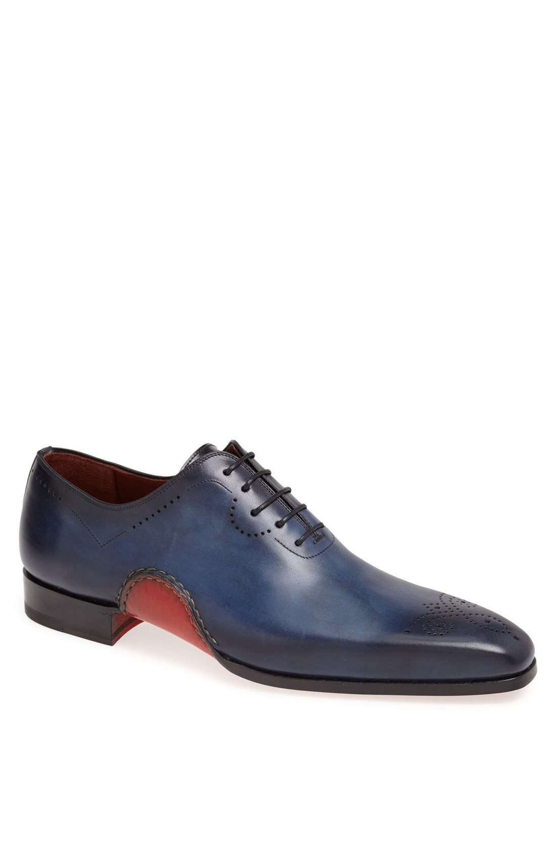 MAGNANNI 'Vito' Medallion Toe Leather Oxford