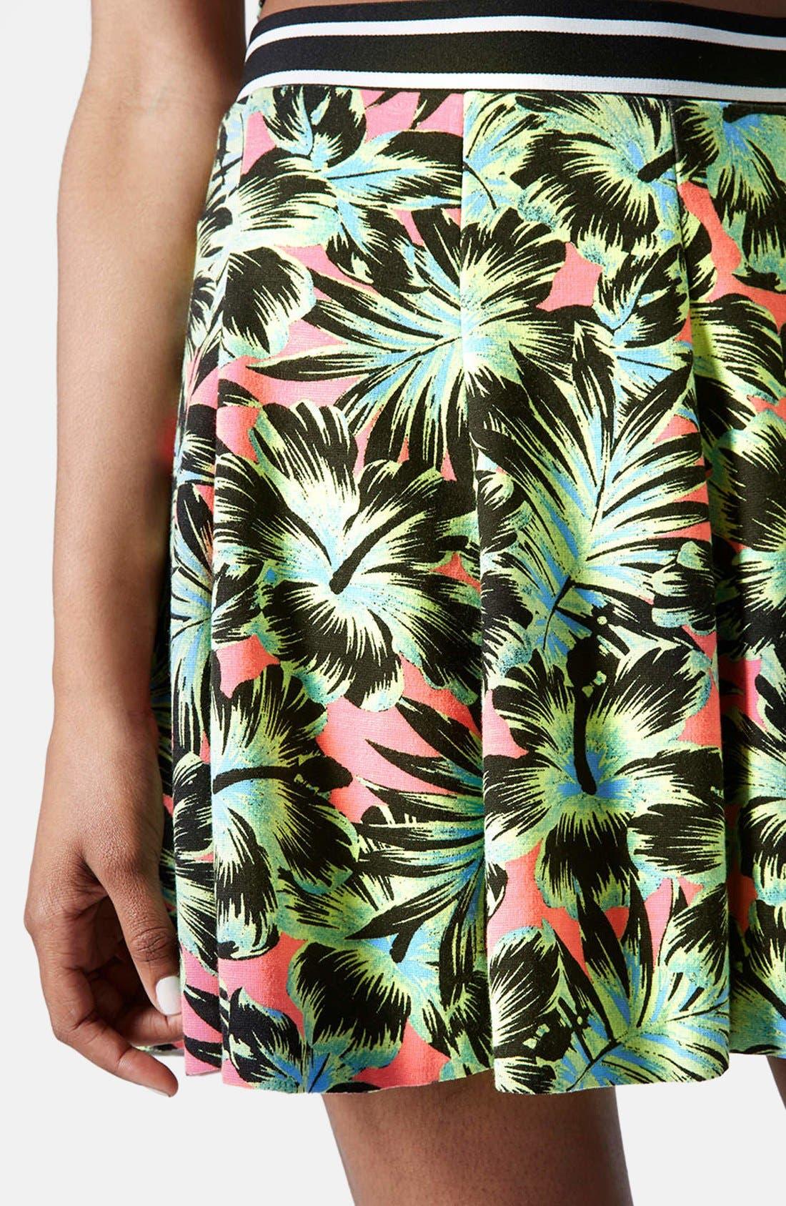 Alternate Image 2  - Topshop Hawaiian Print Pleated Skirt
