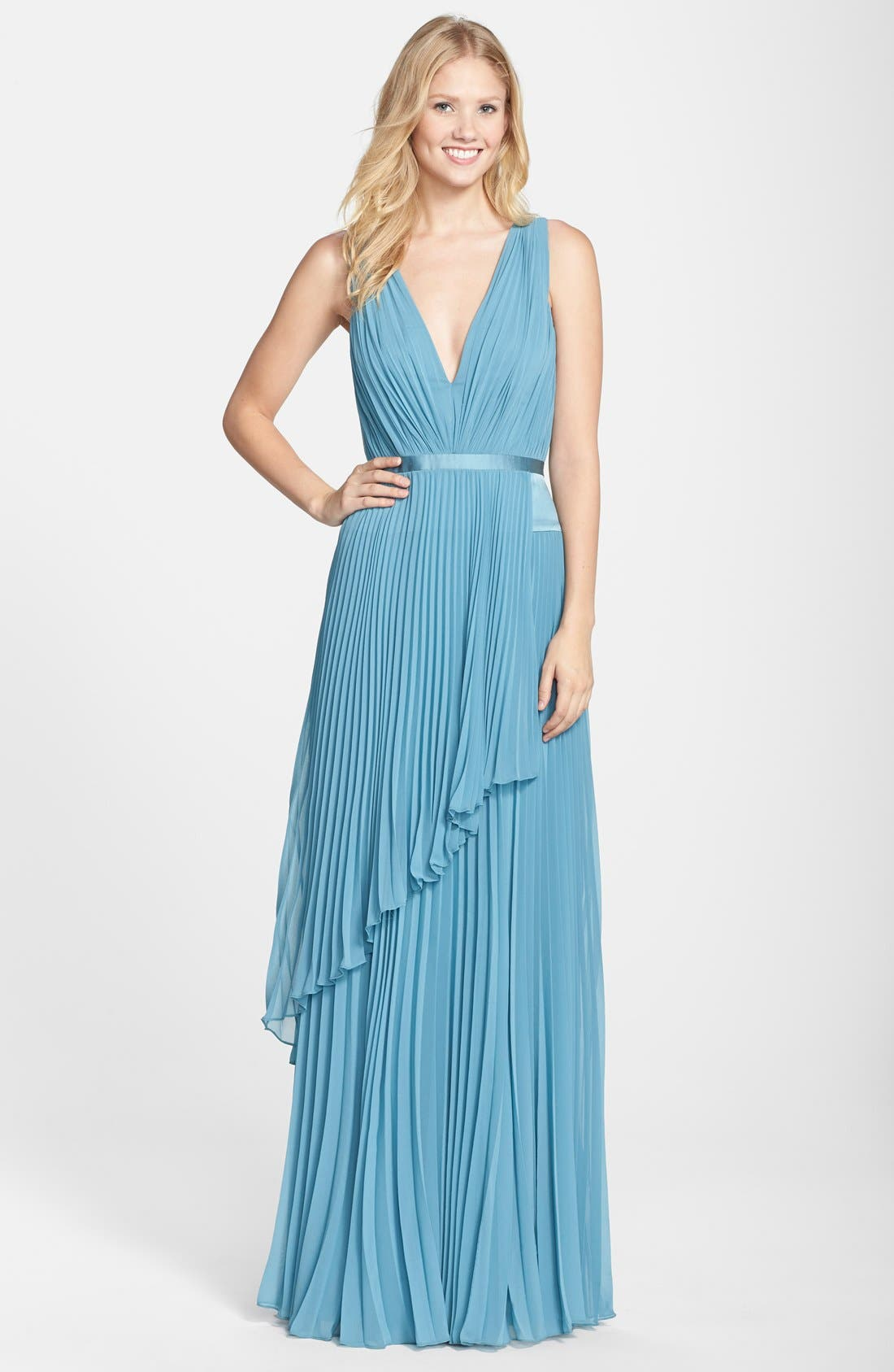 Alternate Image 1 Selected - Vera Wang Pleated Chiffon Gown