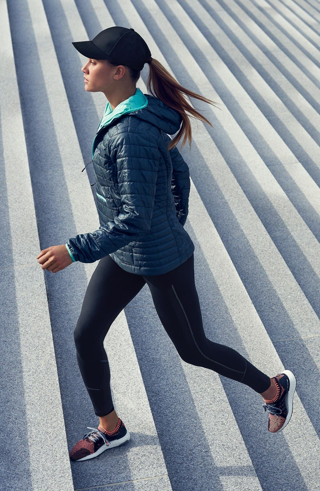 Patagonia Jacket & Zella Leggings Outfit with Accessories