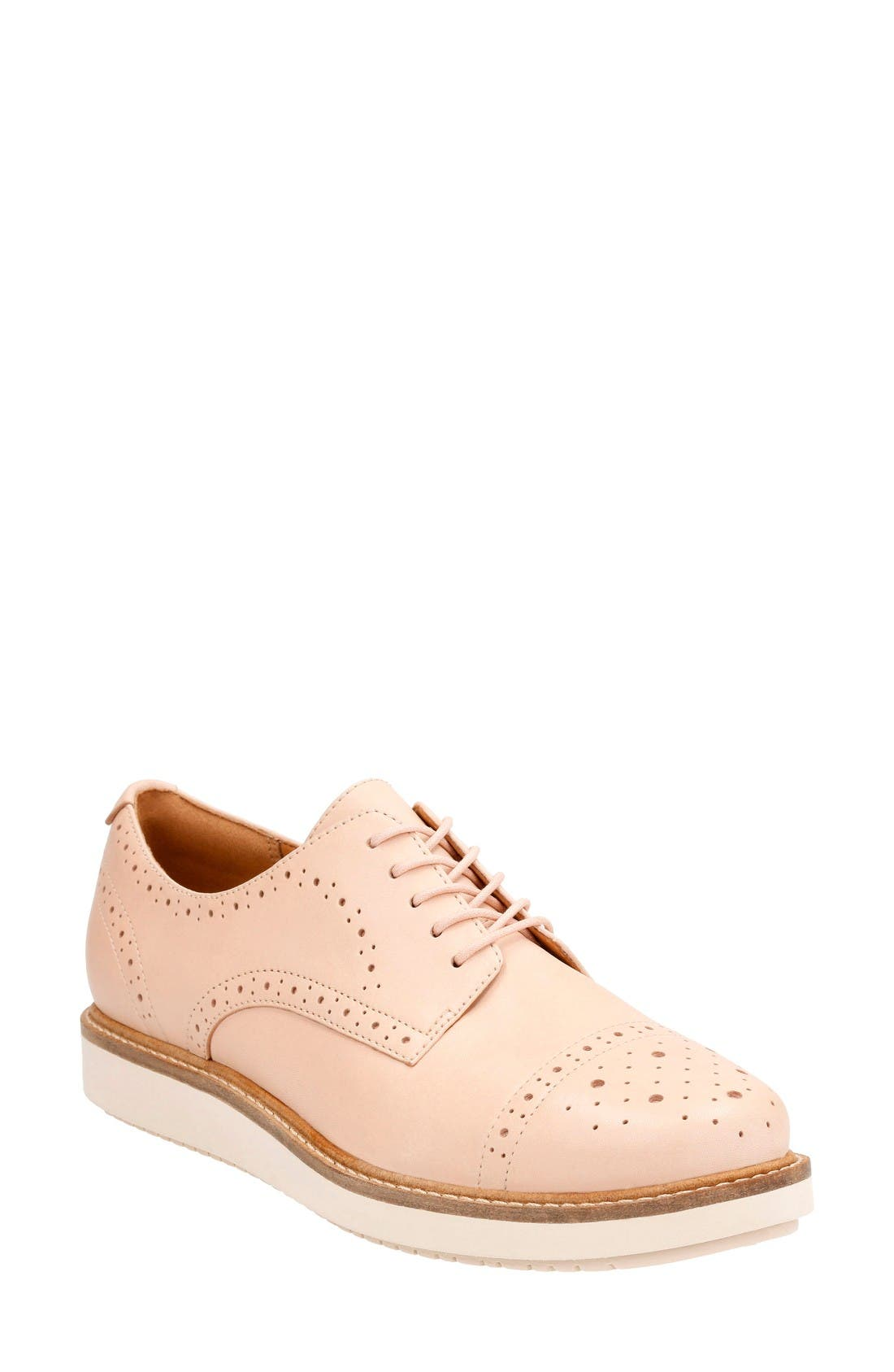CLARKS® Glick Shine Oxford