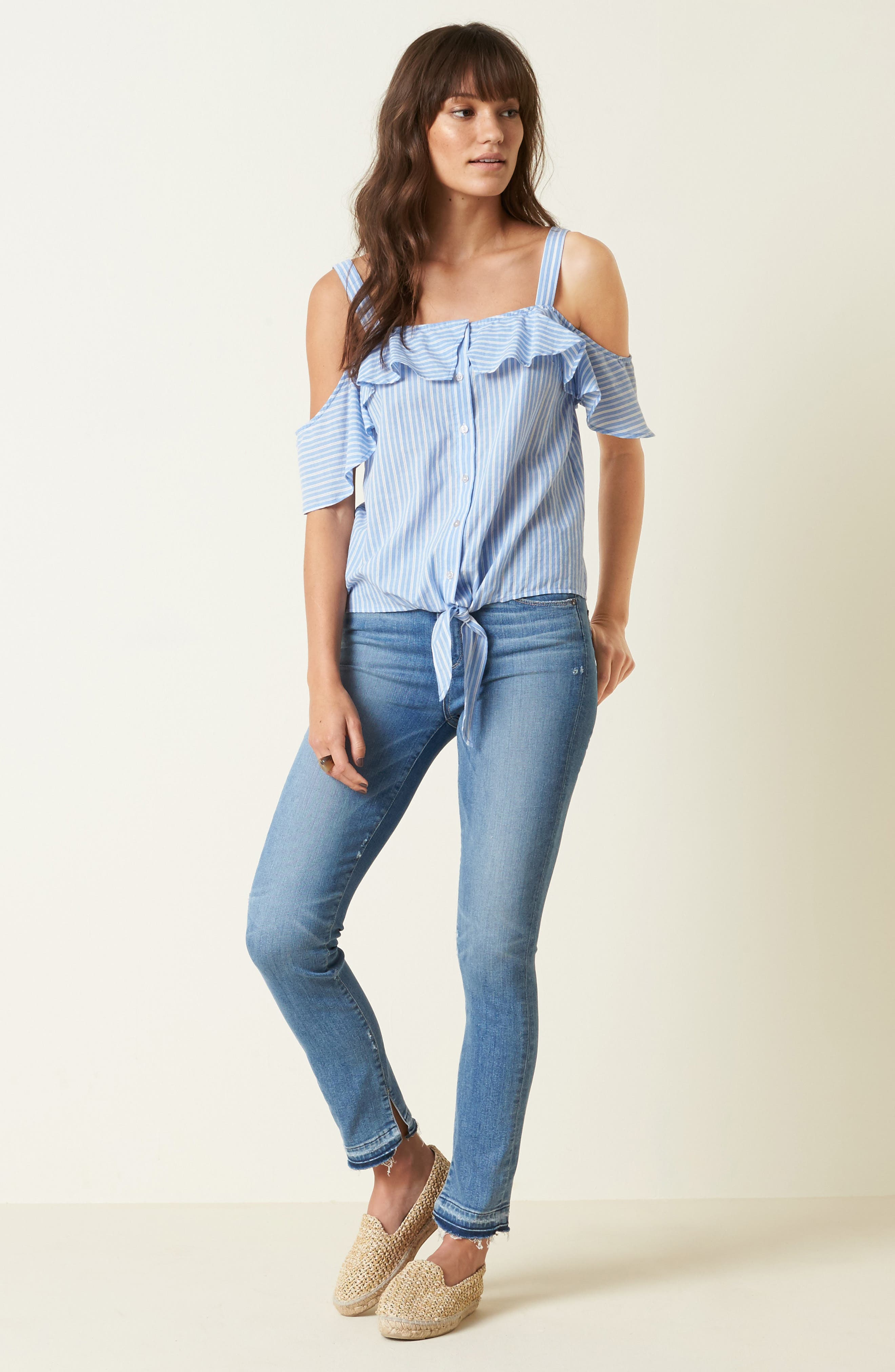 PAIGE Top & Jeans Outfit with Accessories
