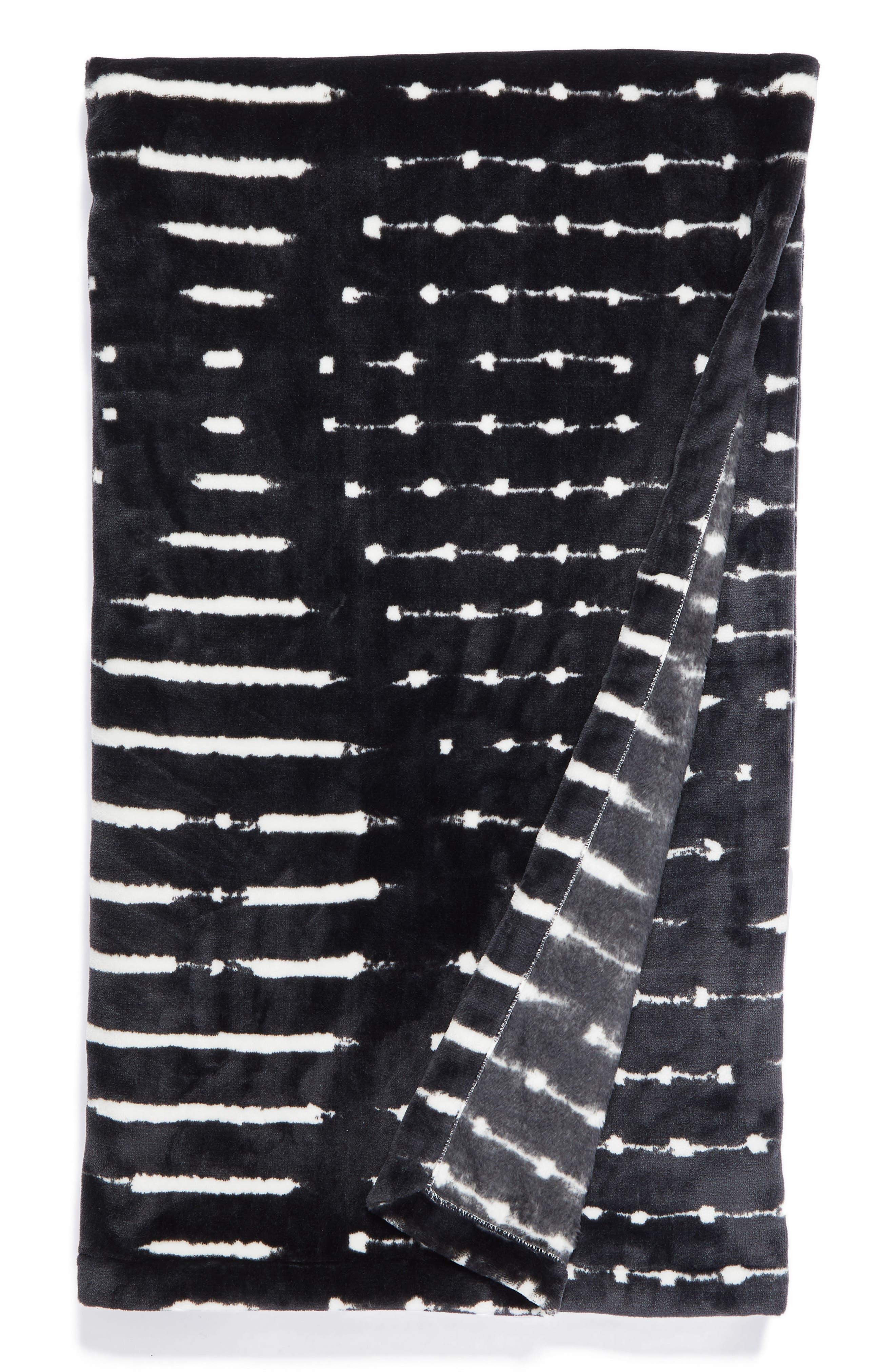 Levtex Mudcloth Plush Throw Blanket