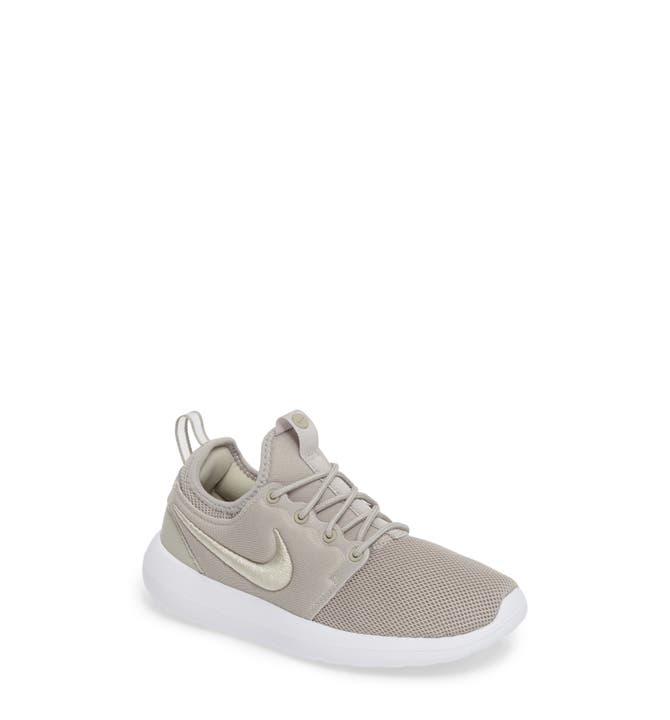 Nike Roshe Two iD Shoe. Nike CH