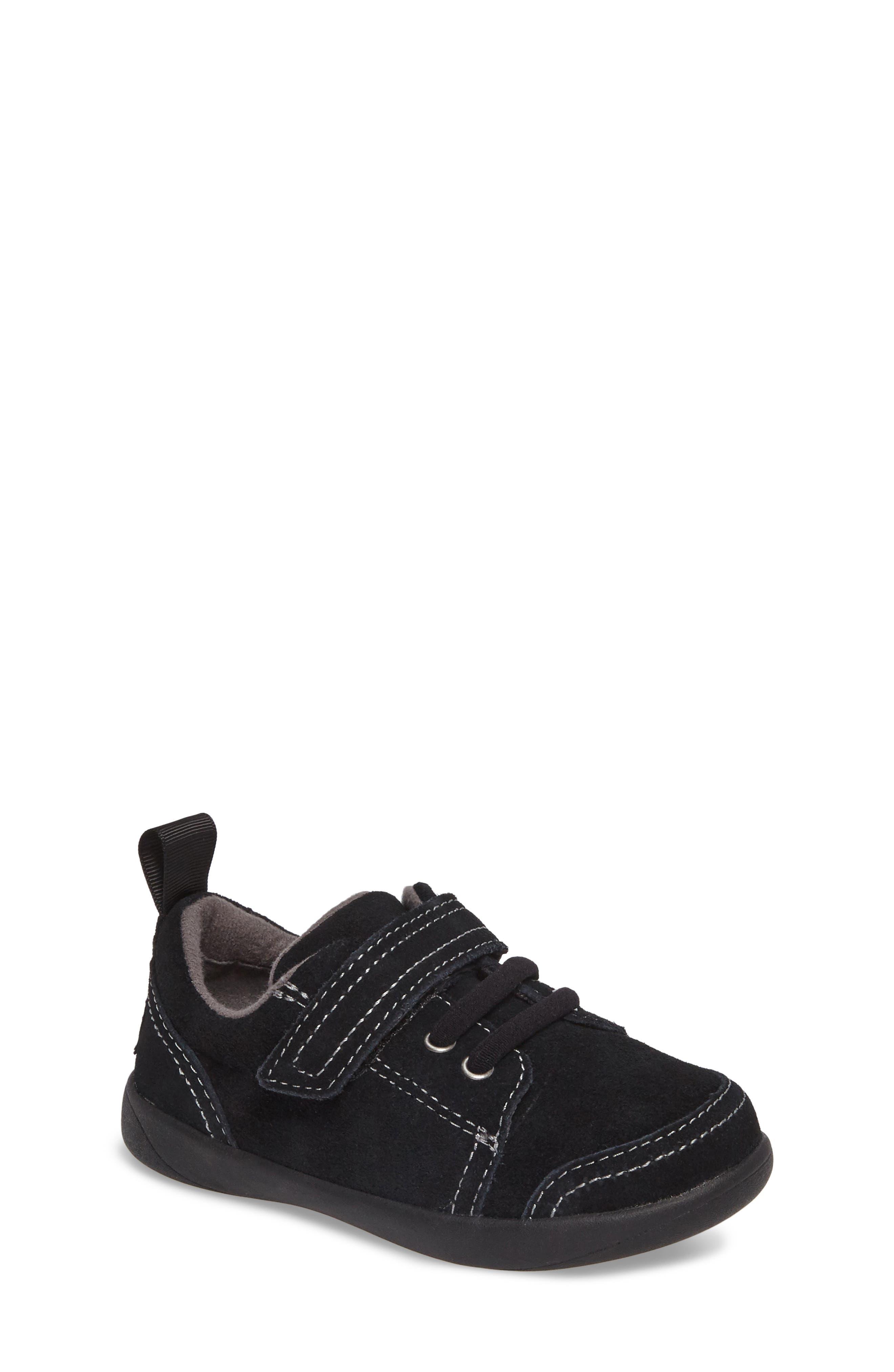 UGG® Kegan Low Top Sneaker (Walker, Toddler, Little Kid & Big Kid)