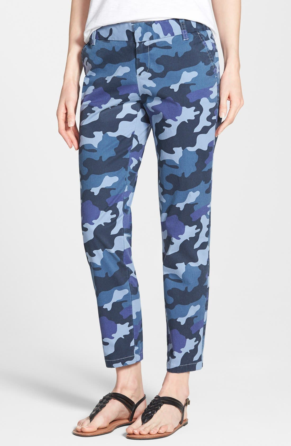 Main Image - Caslon® Chino Crop Pants (Petite)