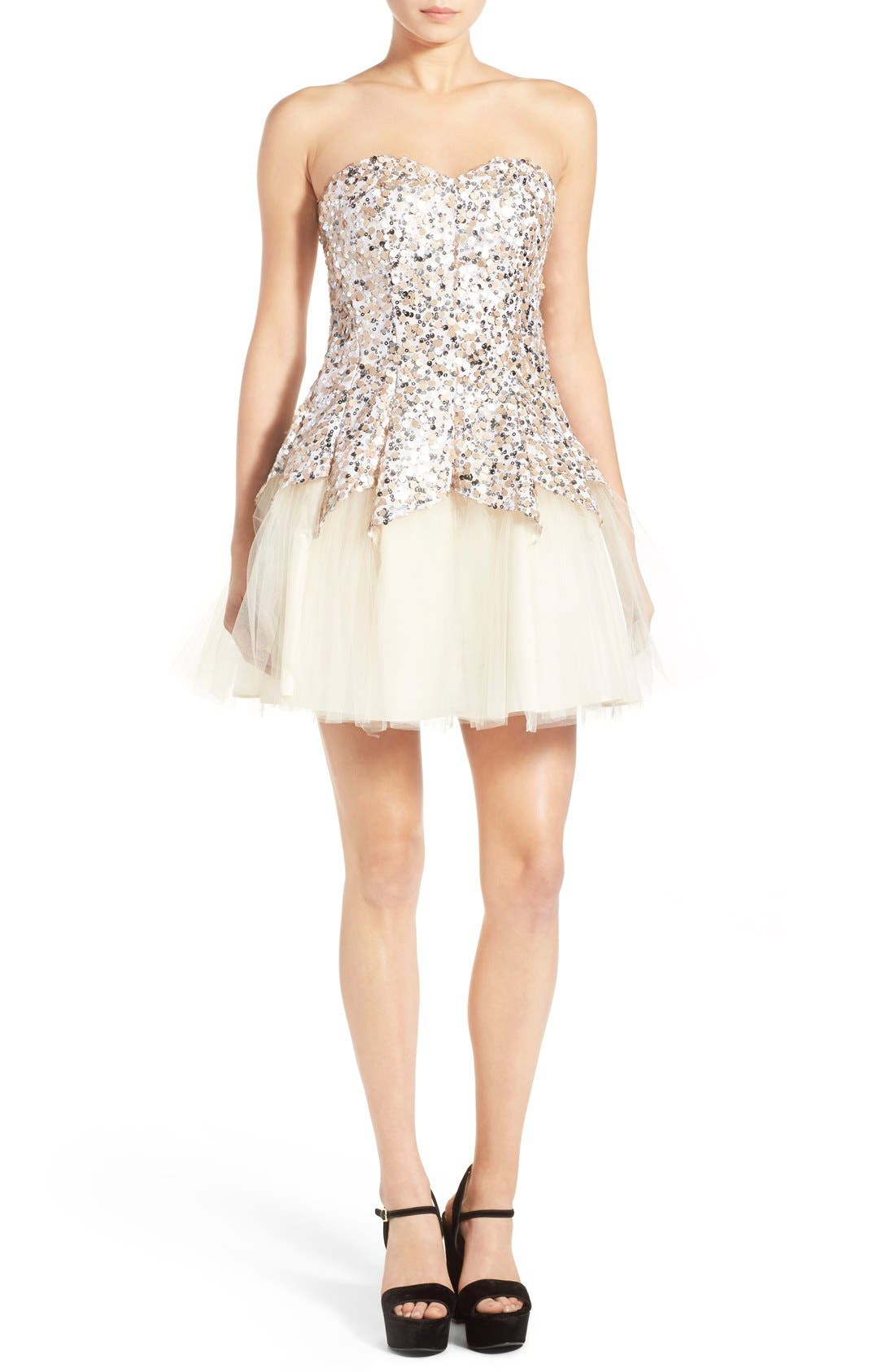 Alternate Image 4  - Steppin Out Sequin Tulip Dress