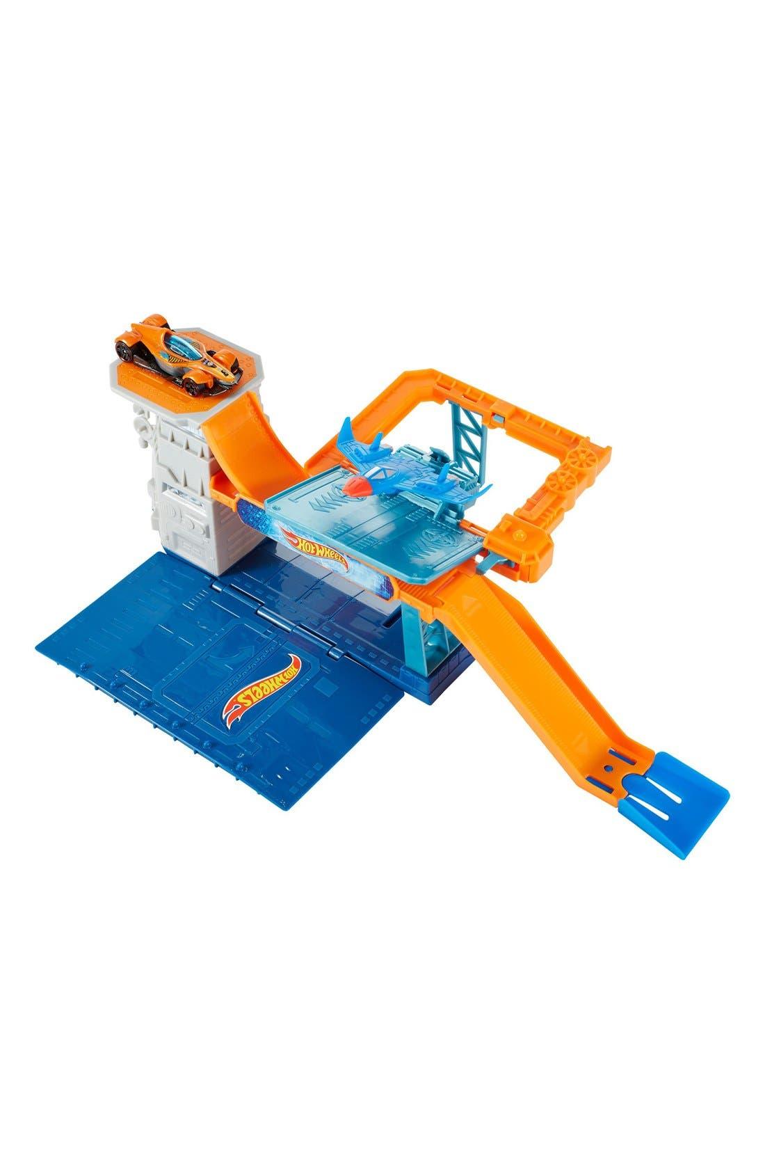Alternate Image 1 Selected - Mattel Hot Wheels® Sky-Base Blast™ Play Set
