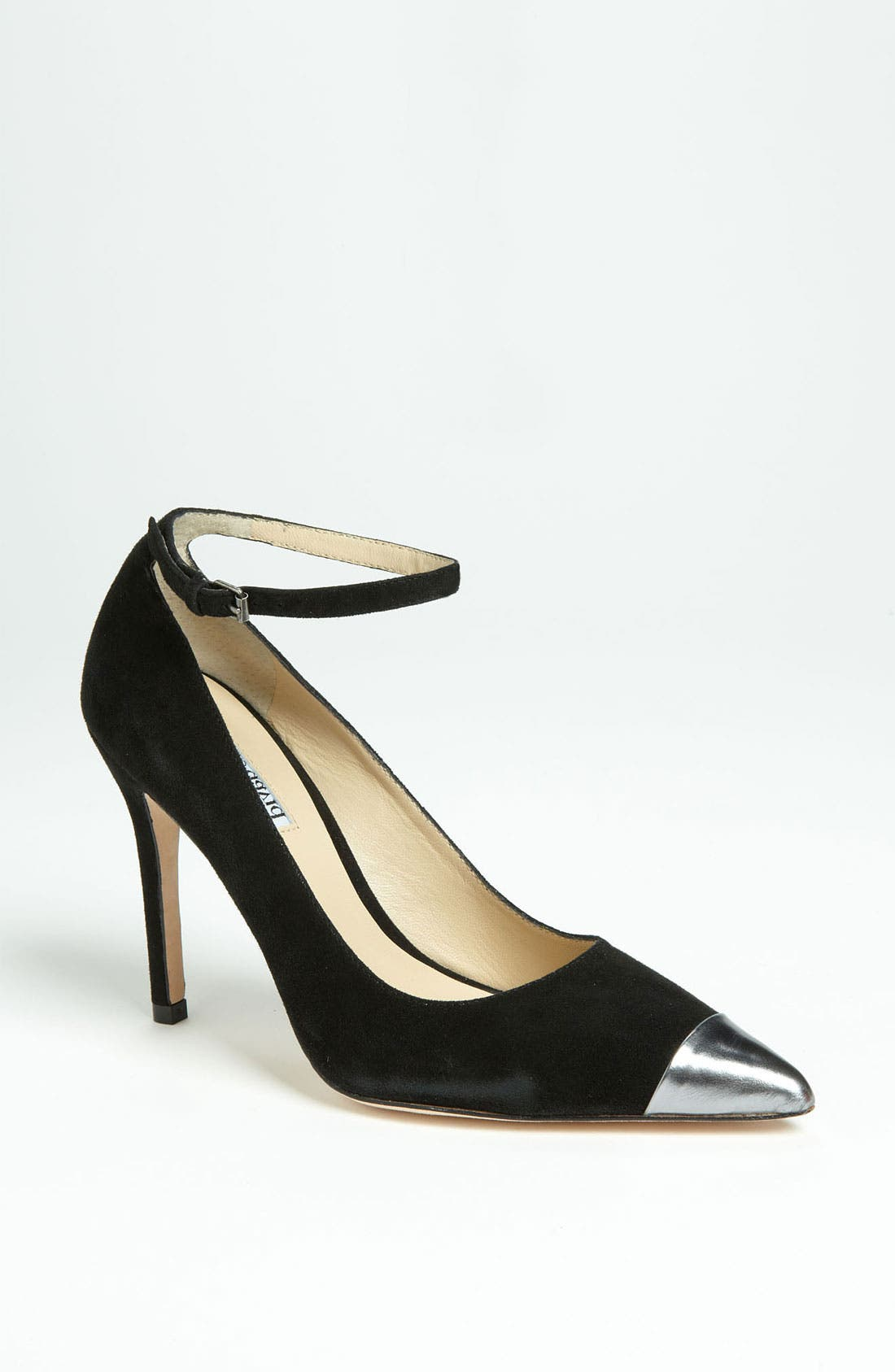 Main Image - Charles David 'Mali' Pump