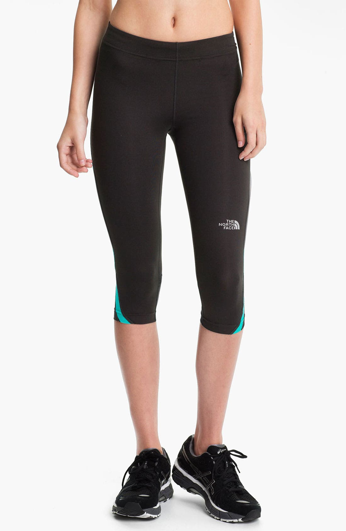 Alternate Image 1 Selected - The North Face 'GTD' Capri Pants