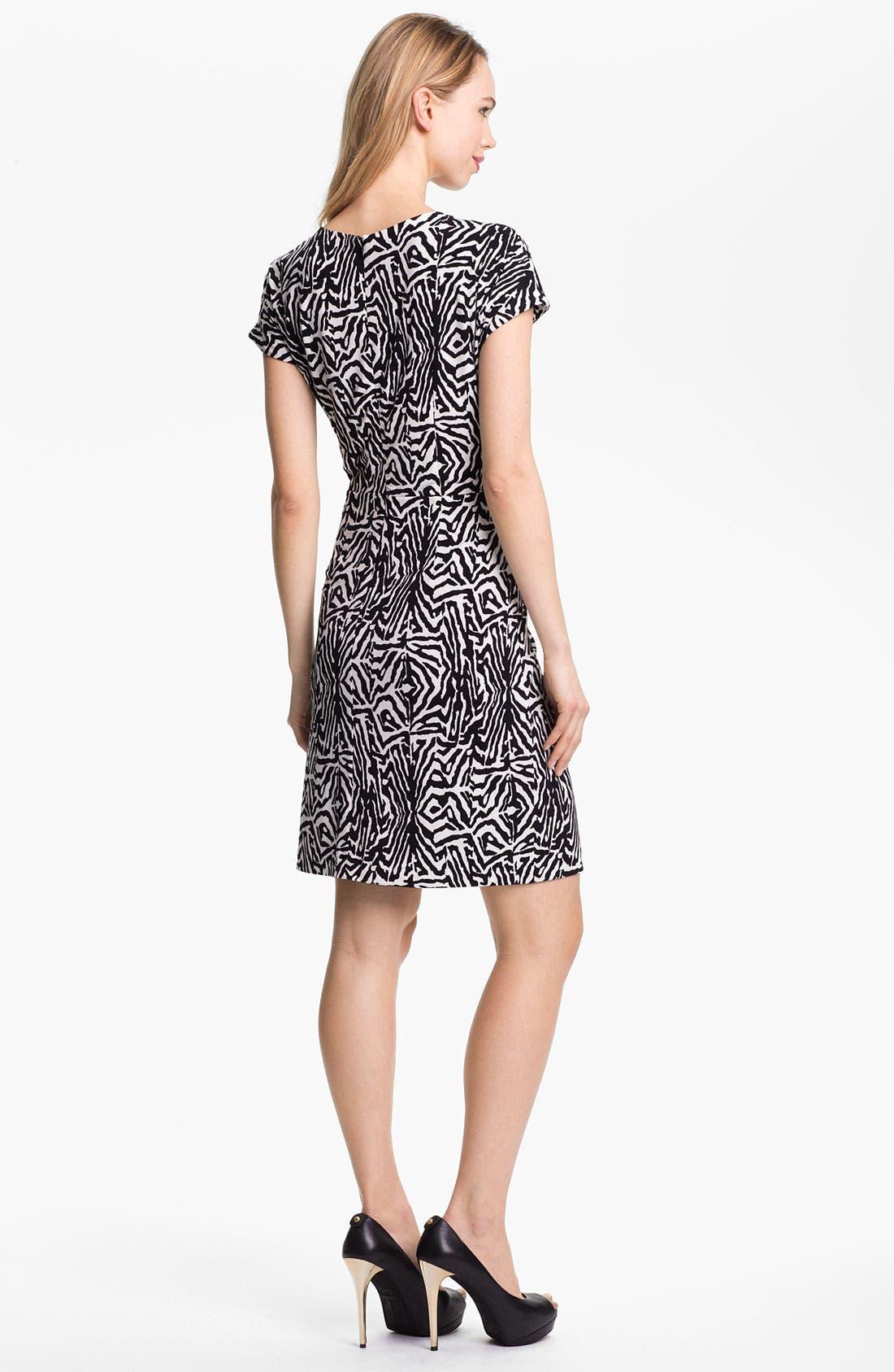 Alternate Image 2  - Vince Camuto Tie Front Print Dress