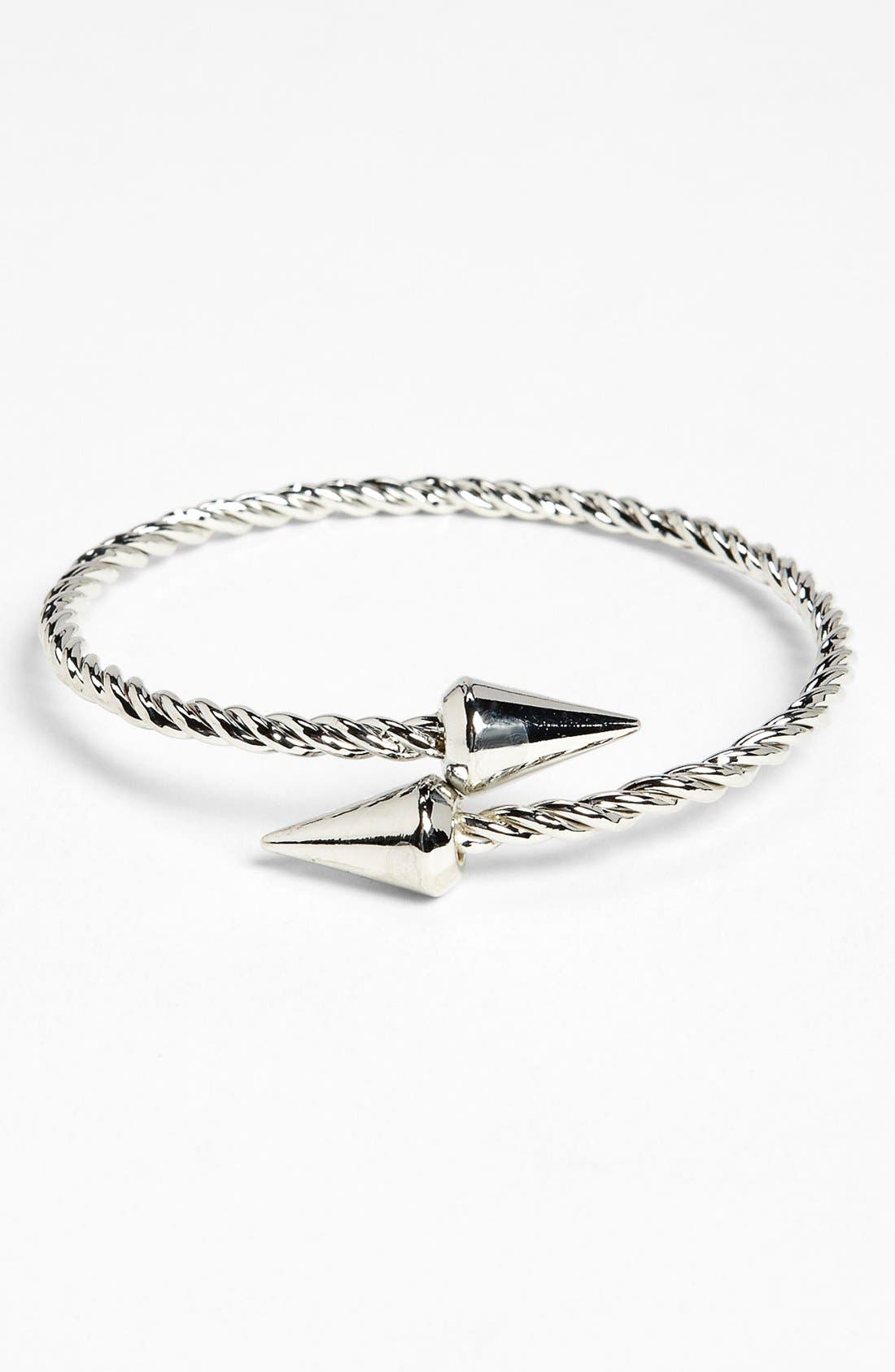 Alternate Image 1 Selected - Topshop 'Overlap Spike' Bangle