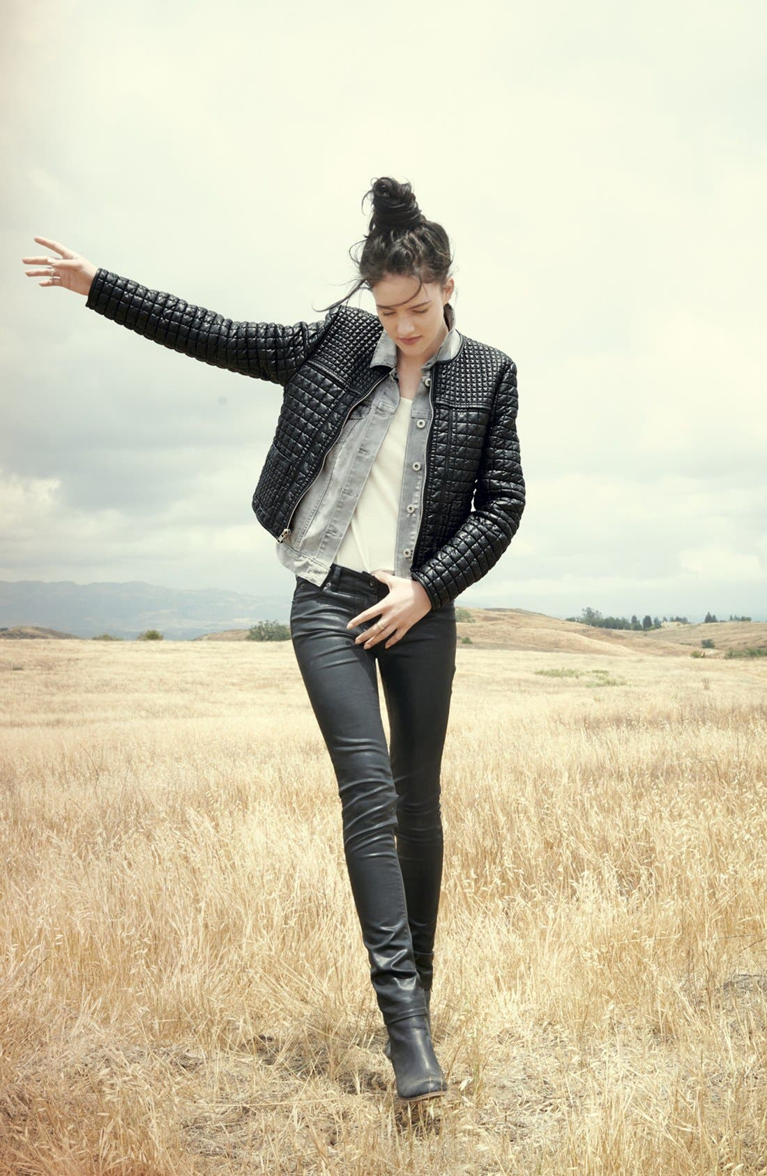 Alternate Image 4  - Two by Vince Camuto Coated Skinny Jeans