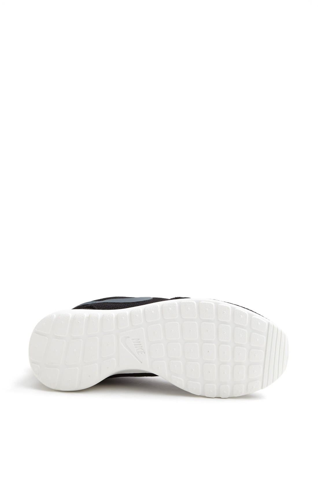 Alternate Image 4  - Nike 'Roshe Run' Sneaker (Women)