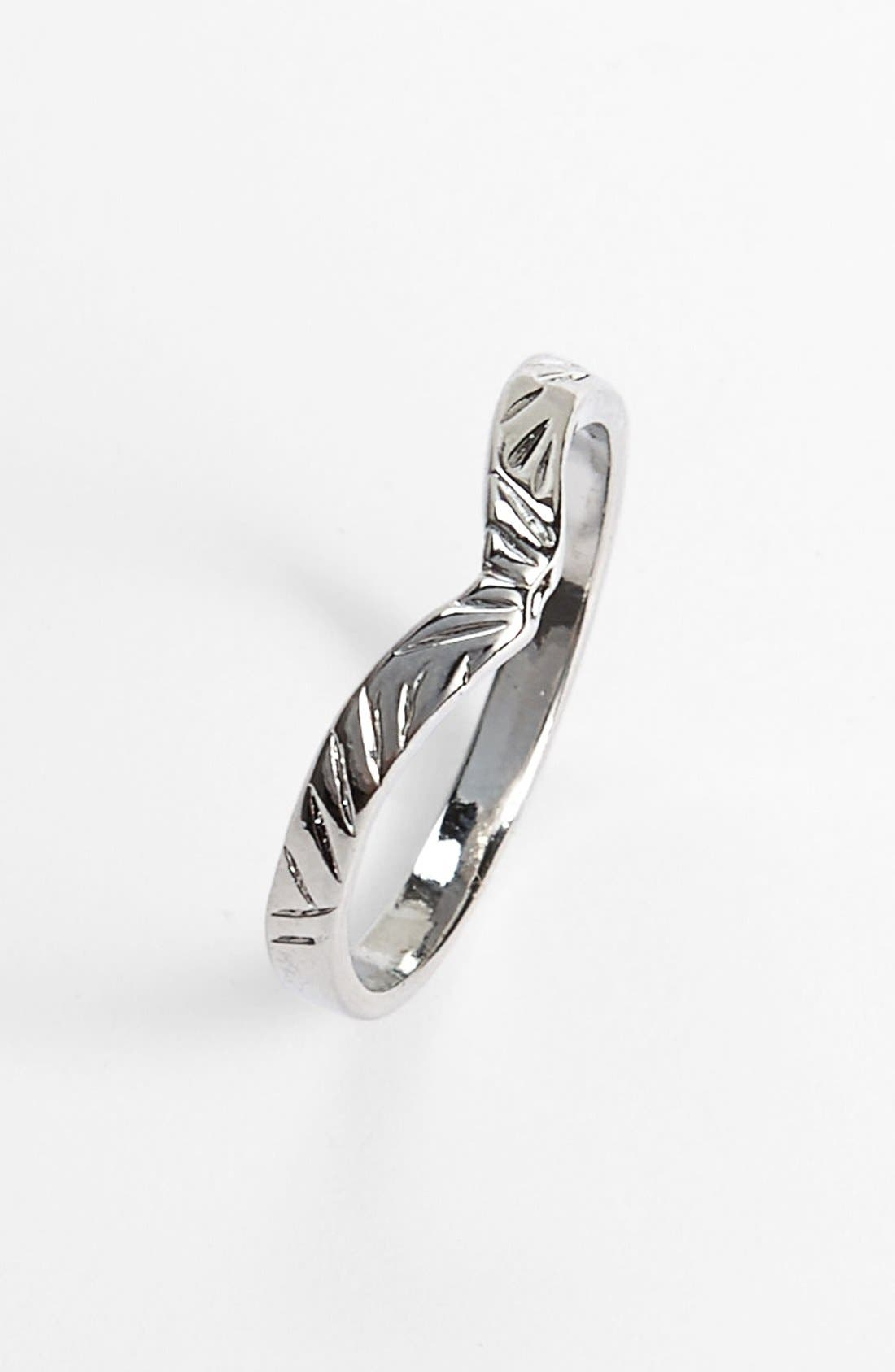 Alternate Image 1 Selected - South Sun Etched Thumb Ring (Juniors)