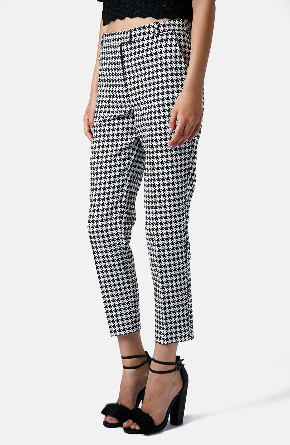 Main Image - Topshop Houndstooth Cigarette Trousers