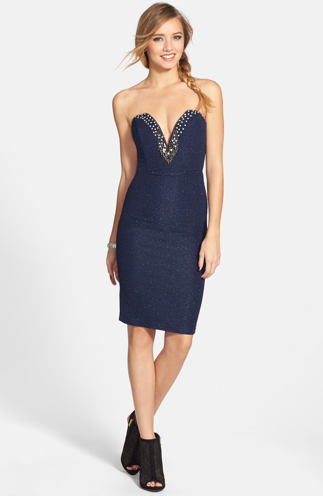 Main Image - Sequin Hearts Embellished Sweetheart Strapless Body-Con Dress
